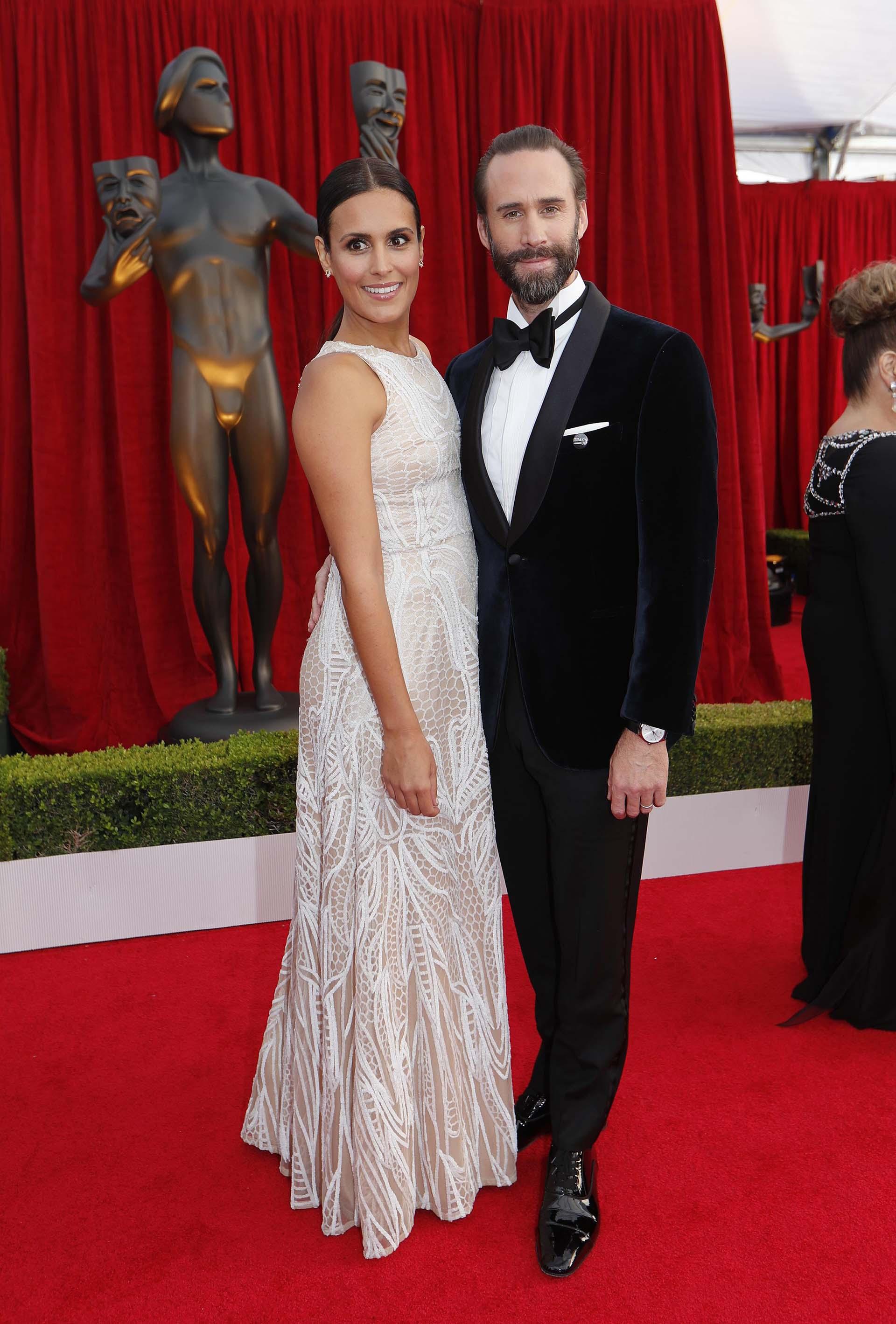 Joseph Fiennes y Maria Dolores Dieguez (REUTERS/Mike Blake)