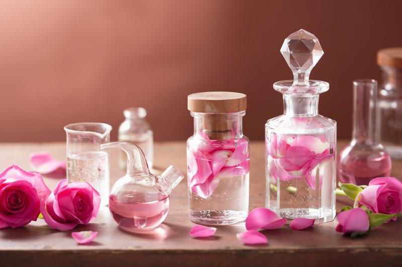 En el mercado actualmente se venden losEau de toilette,eau de parfum, colonia, body splash, perfume en crema y las esencias puras (Getty Images)