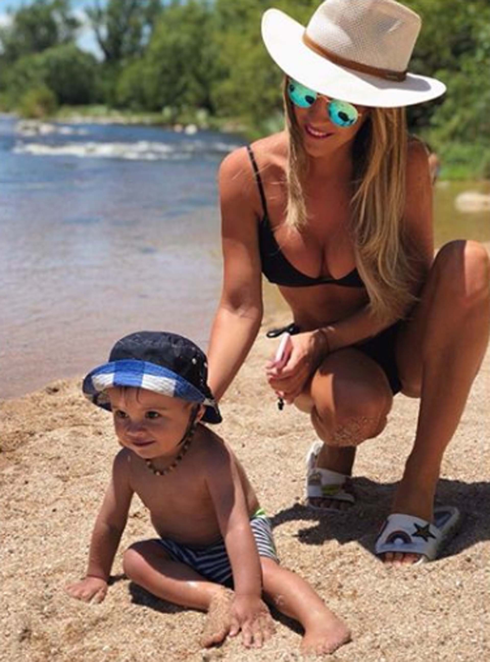 Manuela con su sobrino Valentín