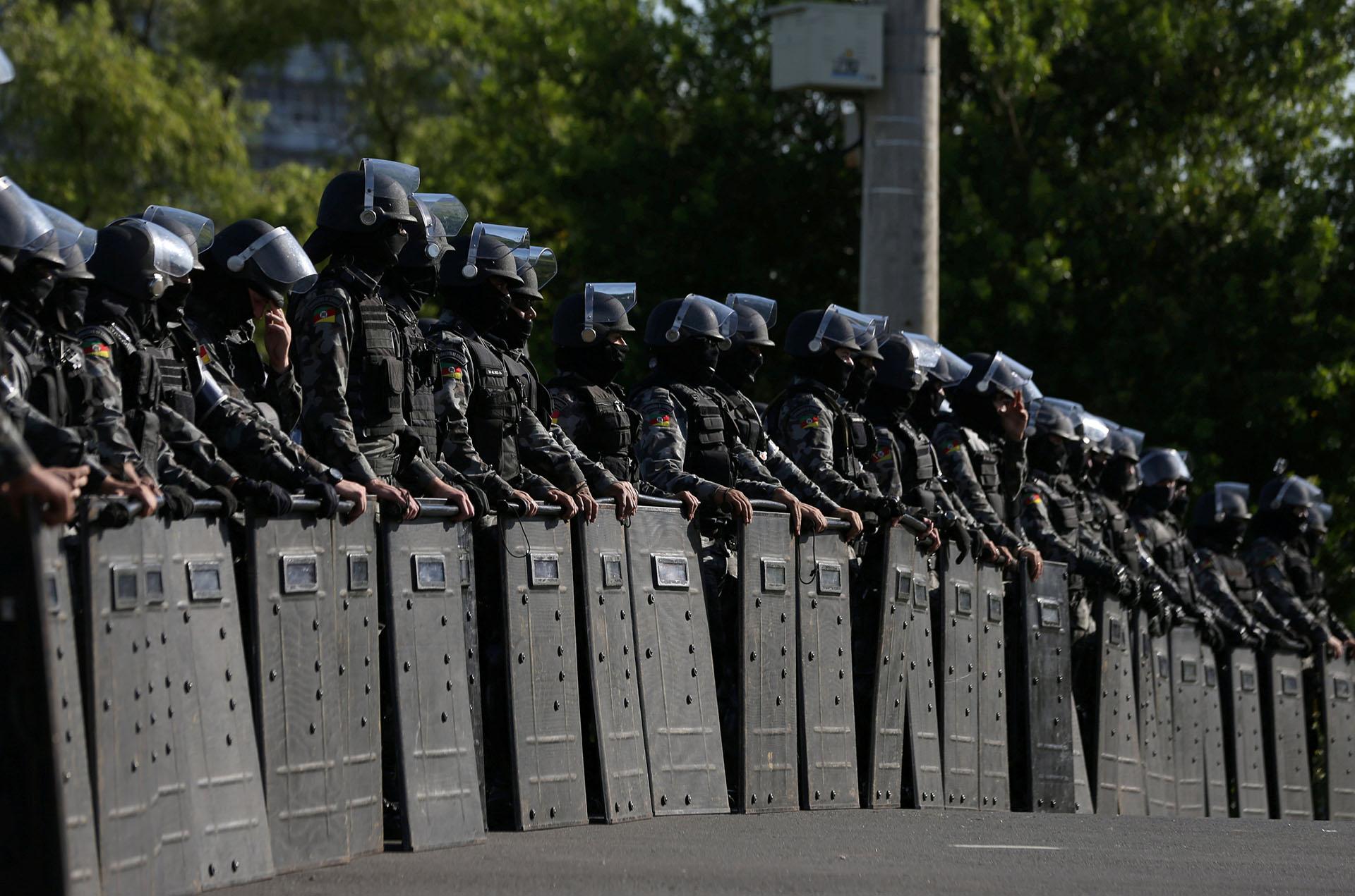 El fuerte operativo policial alrededor del tribunal (Reuters)