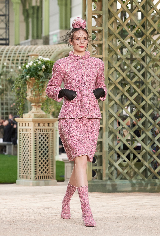 El tweed un clásico atemporal de la firma, presente en cada presentación de Chanel
