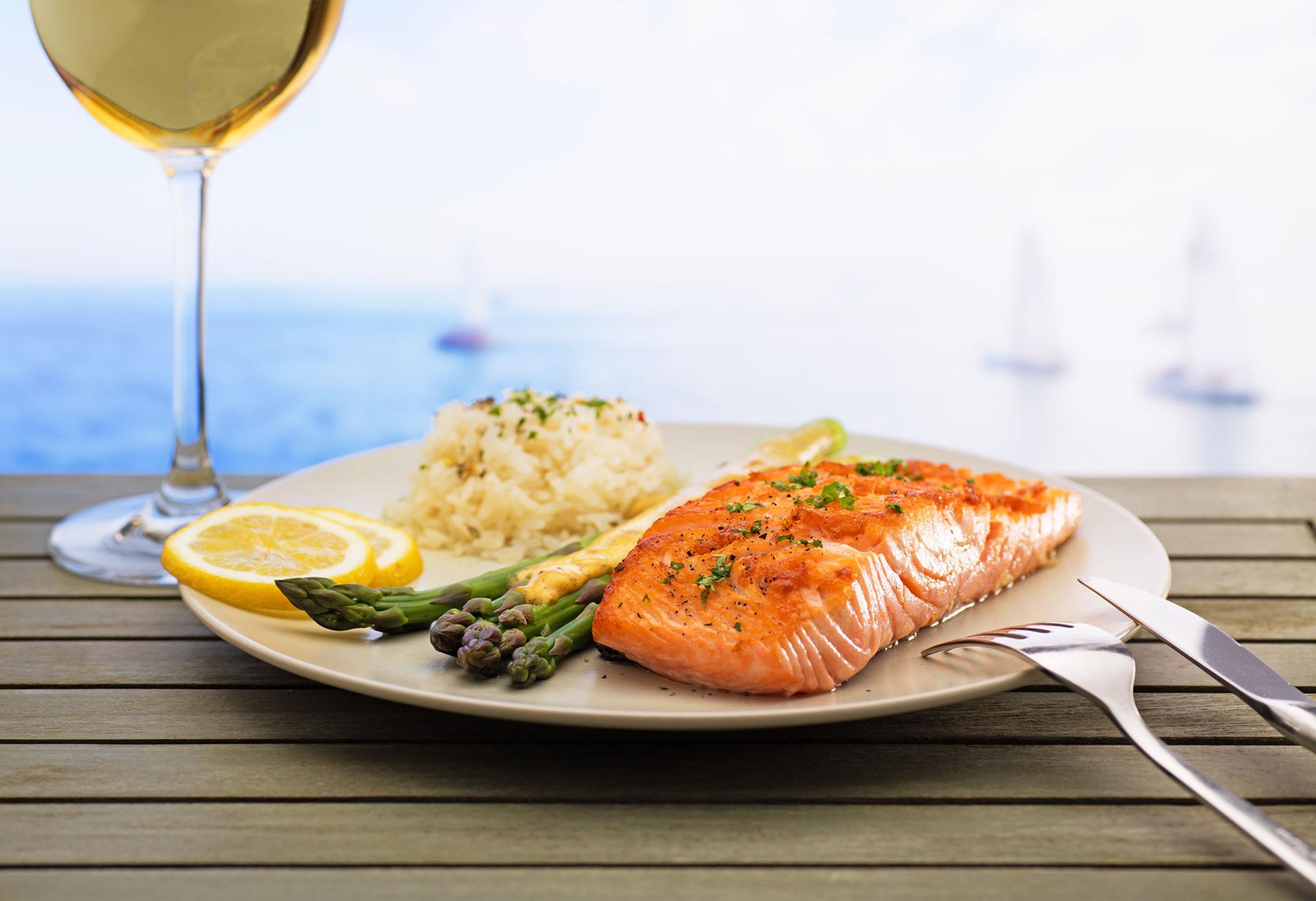 Los platos elaborados con pescados y mariscos son los elegidos de la temporada (Getty Images)