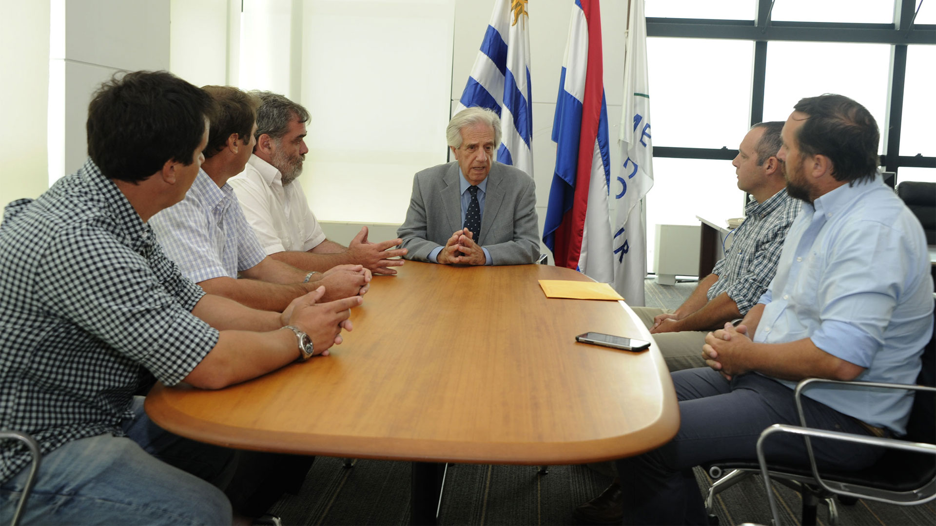 El presidente Tabaré Vázquez se reunió el viernes con productores rurales