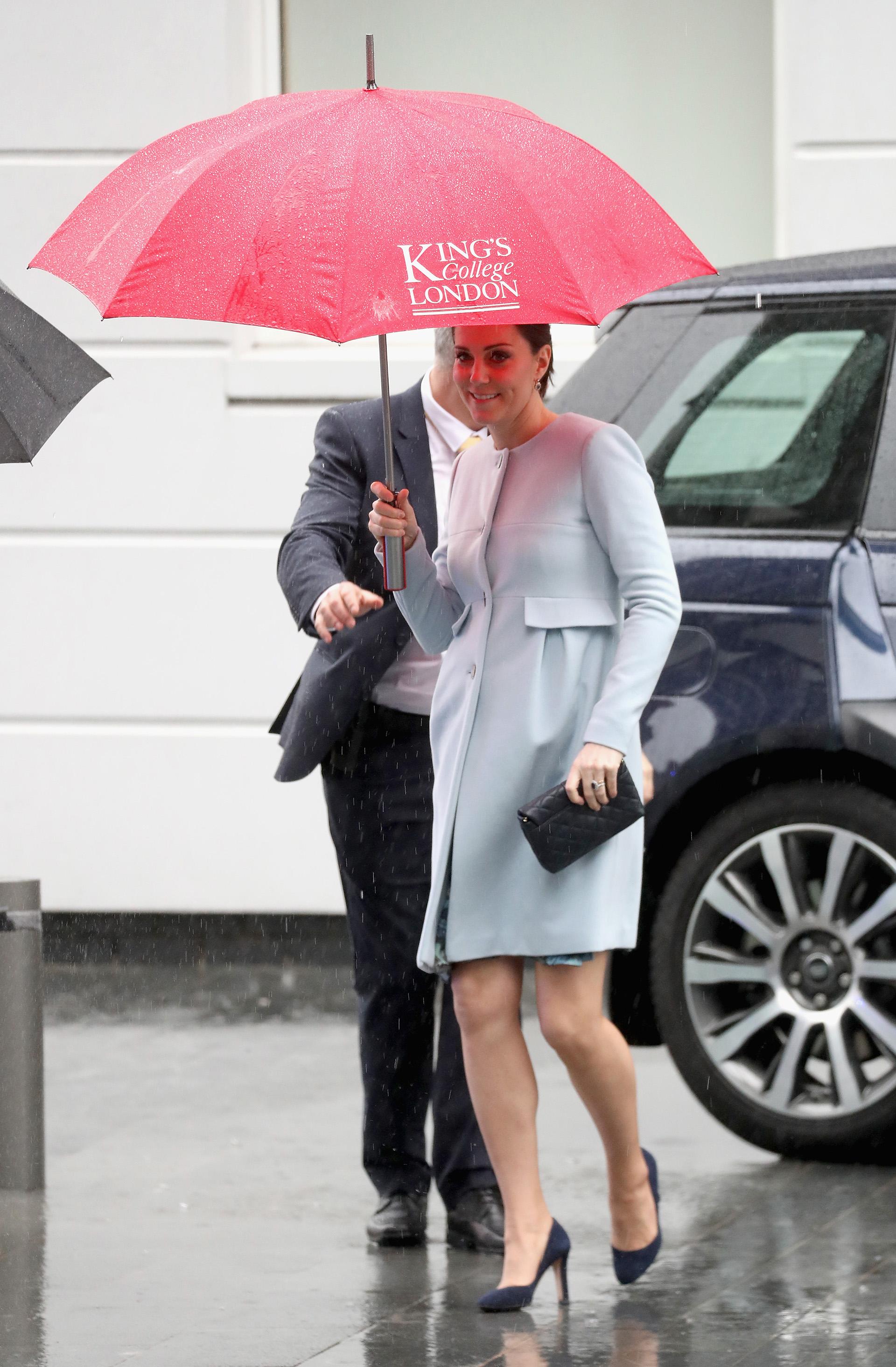 Catalina de Cambridge arriba al Kings College durante una visita al Instituto Maurice Wohl Clinical Neuroscience, en Londres
