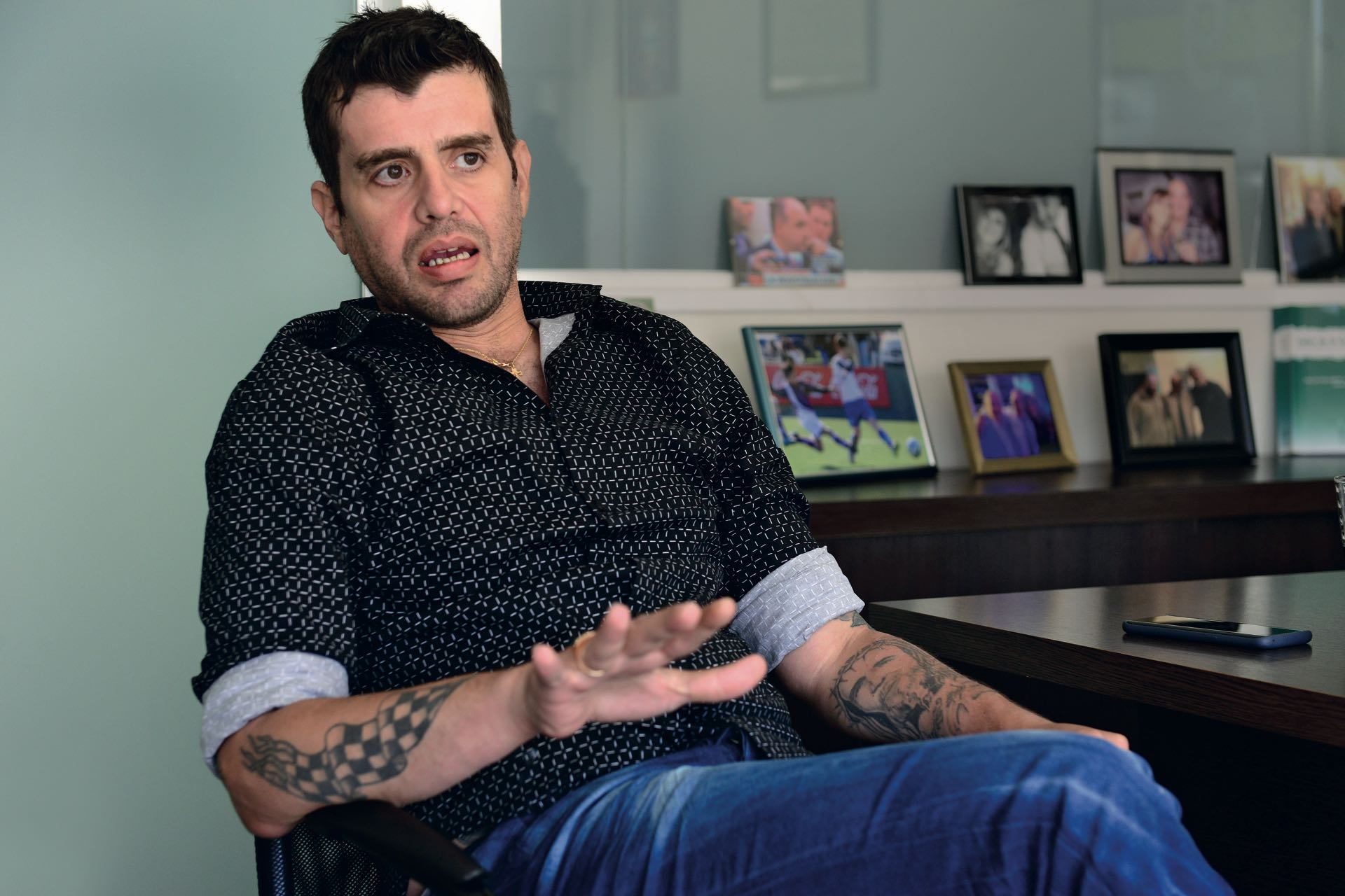 Carlos Nahir en el despacho de su abogado. (Foto: Diego Soldini y Enrique Medina)