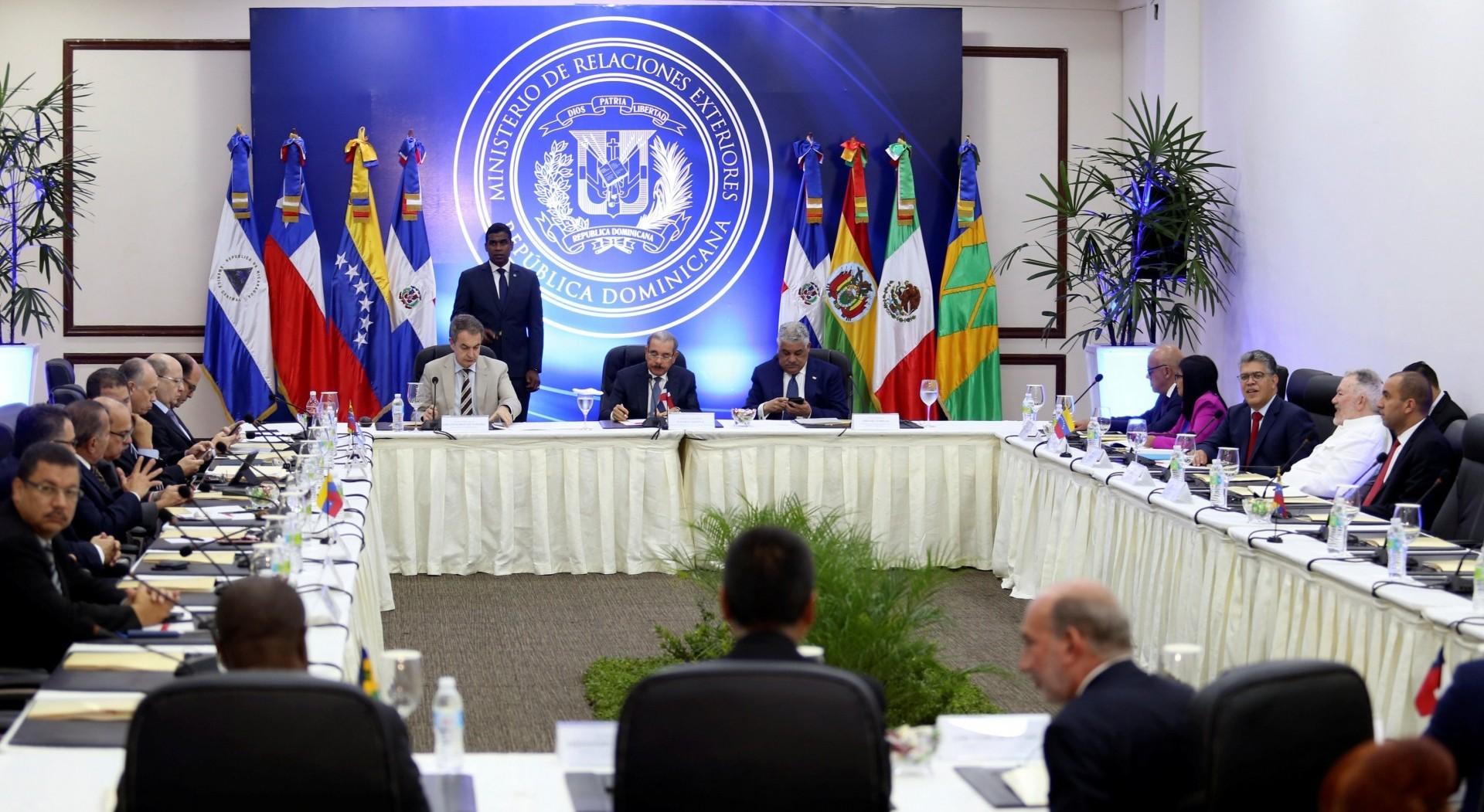 La mesa de diálogo entre el régimen venezolano y la oposición en Santo Domingo se suspendió (Reuters)