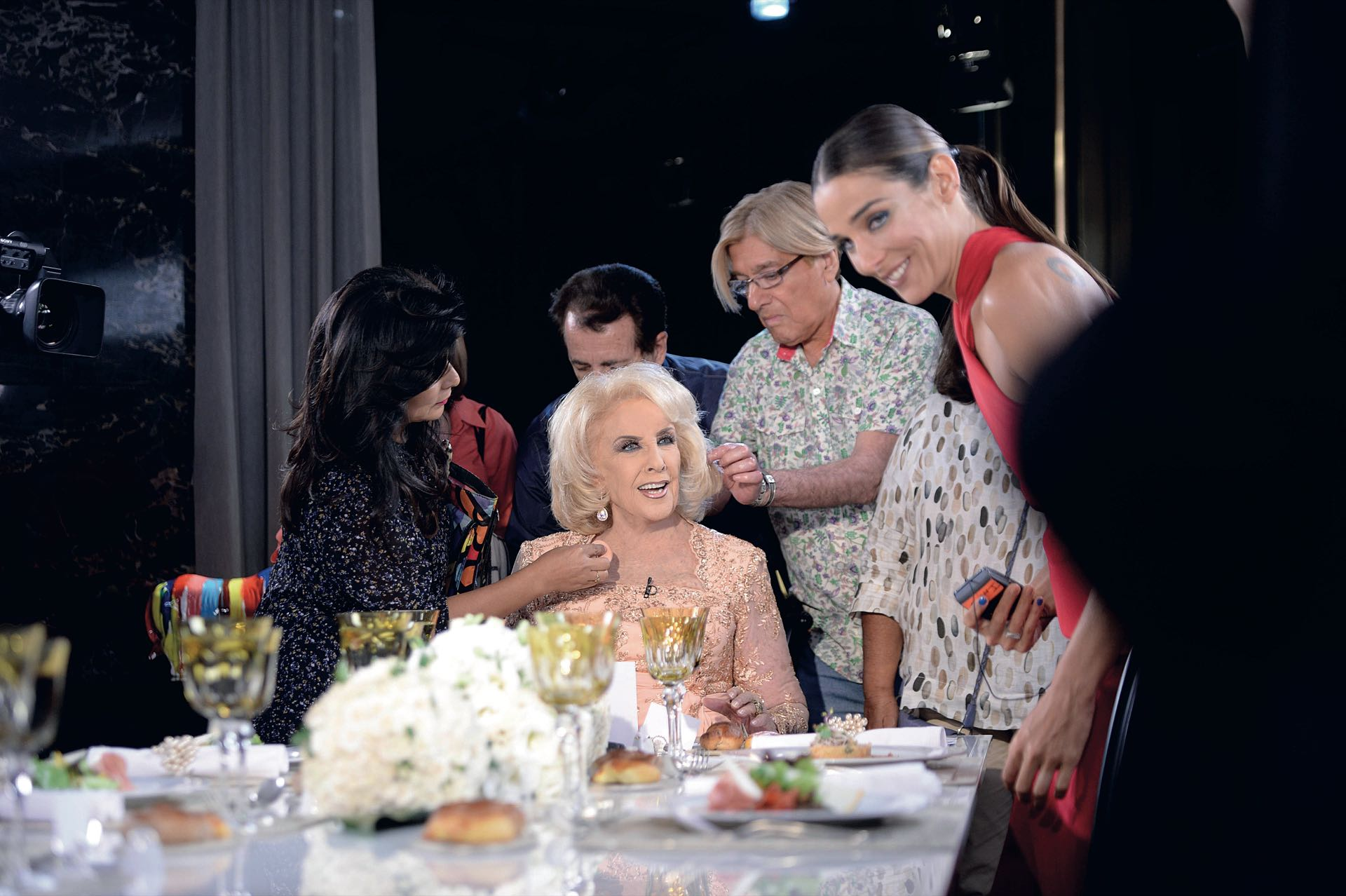 En la mesa más famosa, la de su abuela. (Foto Diego García/GENTE)