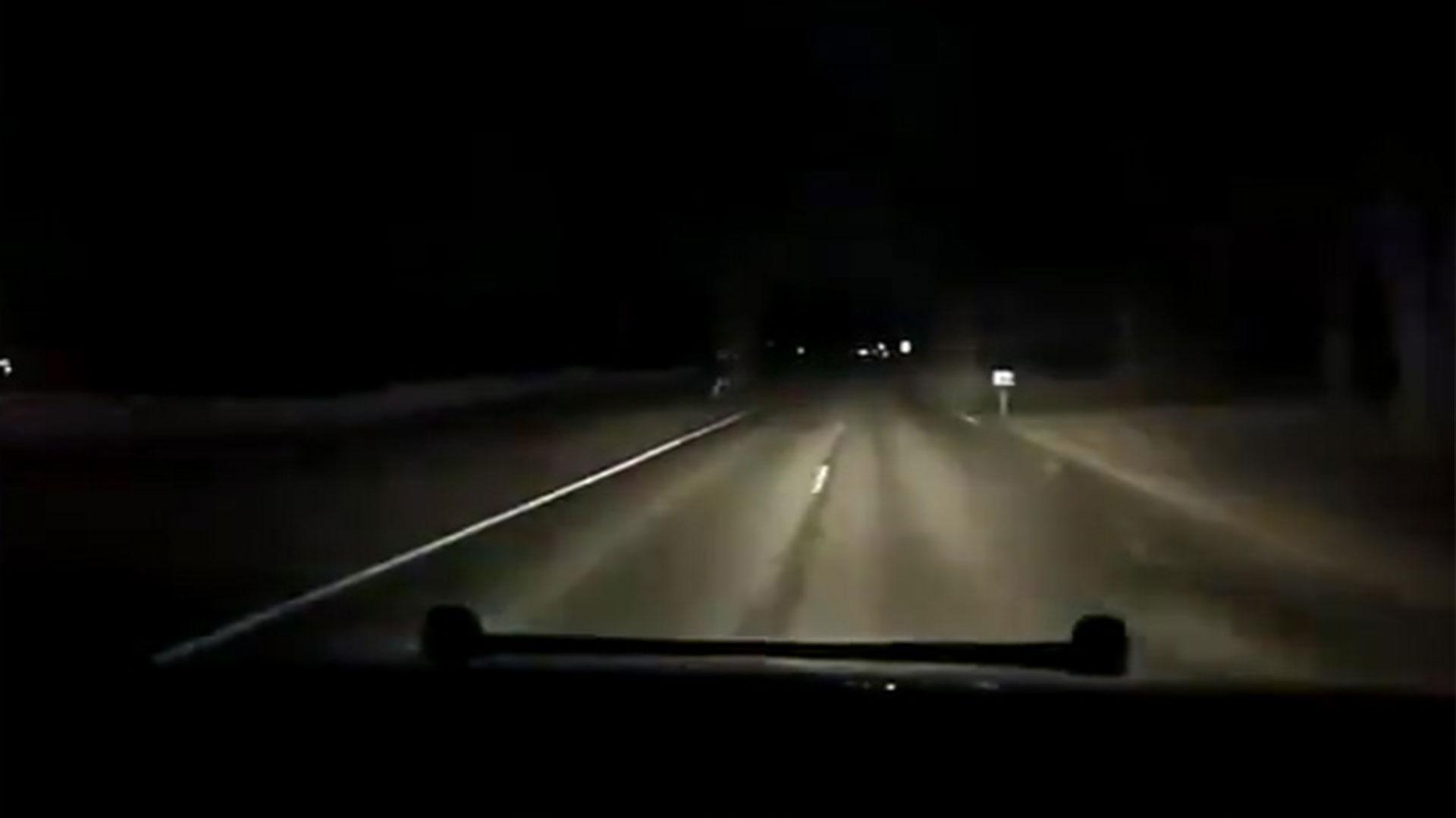 El policía empezó a perseguir al conductor al verlo pasar a alta velocidad