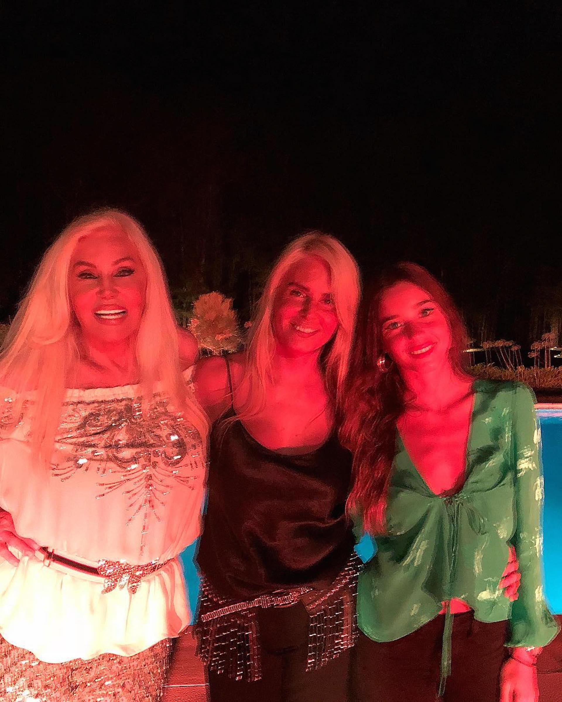 Con su hija Mecha y su nieta Lucía Celasco. (Foto Instagram)