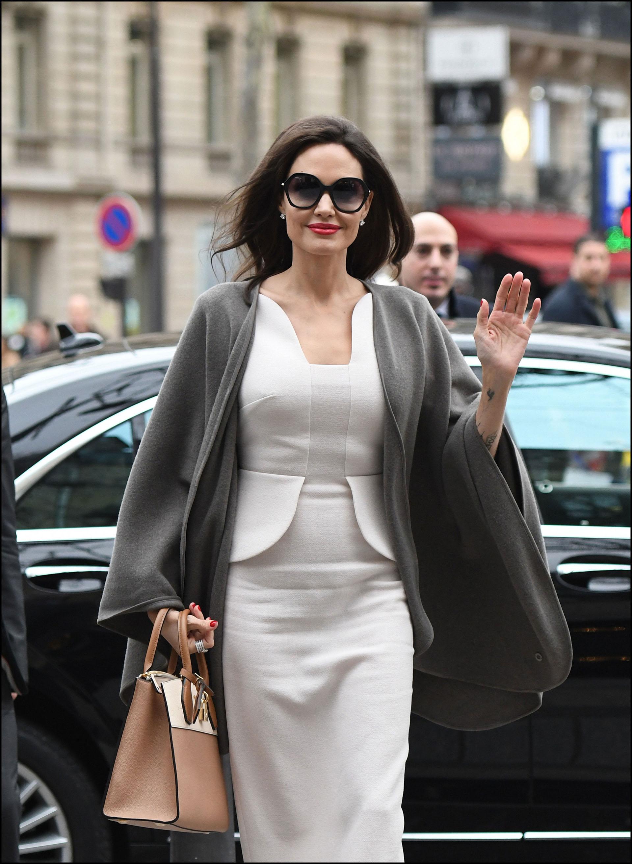 Espléndida, antes de la reunión con la primera dama francesa.