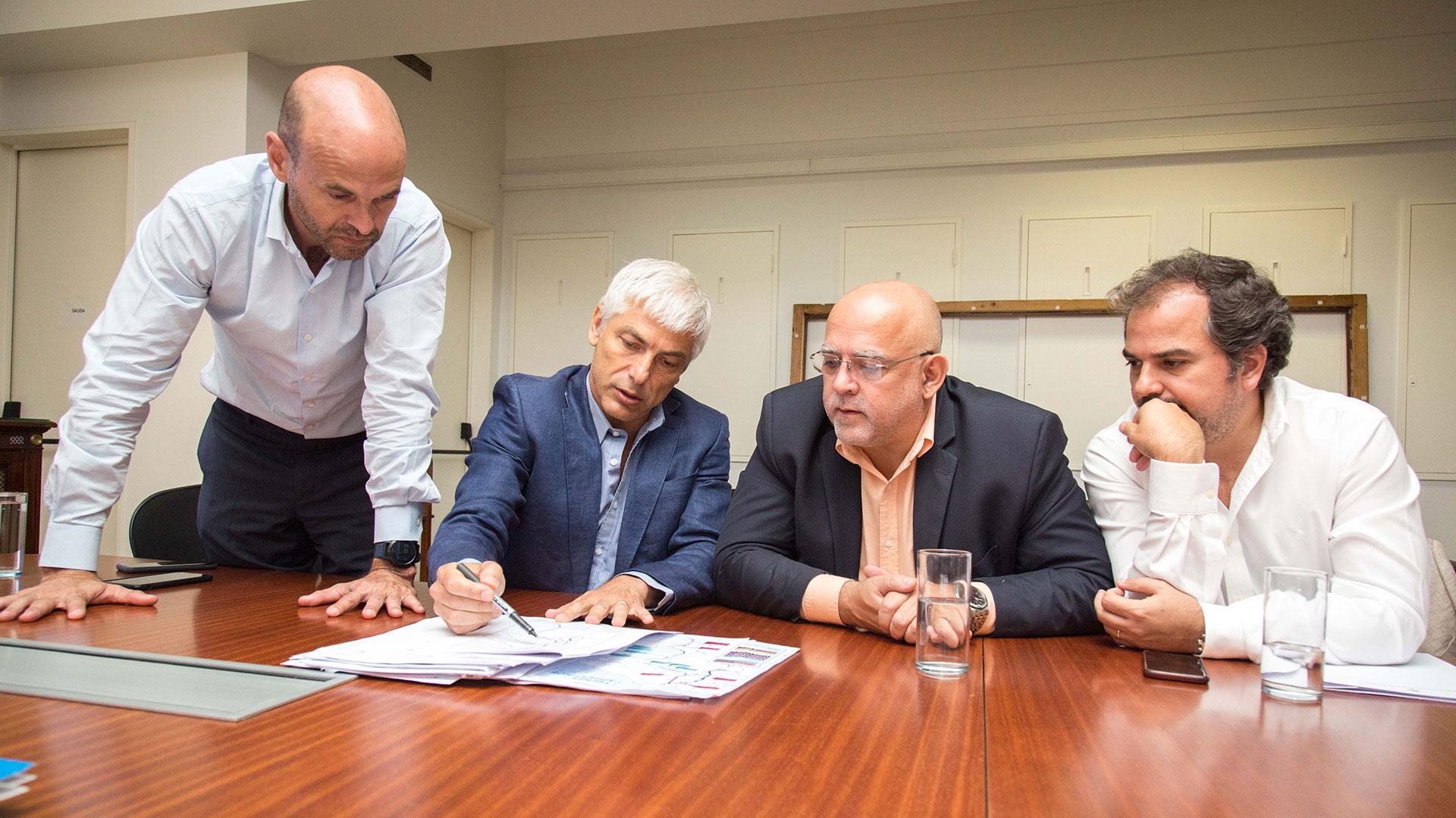 Guillermo Dietrich, y el titular del Plan Belgrano, Carlos Vignolo, analizan el ciclo de las obras del Plan Belgrano