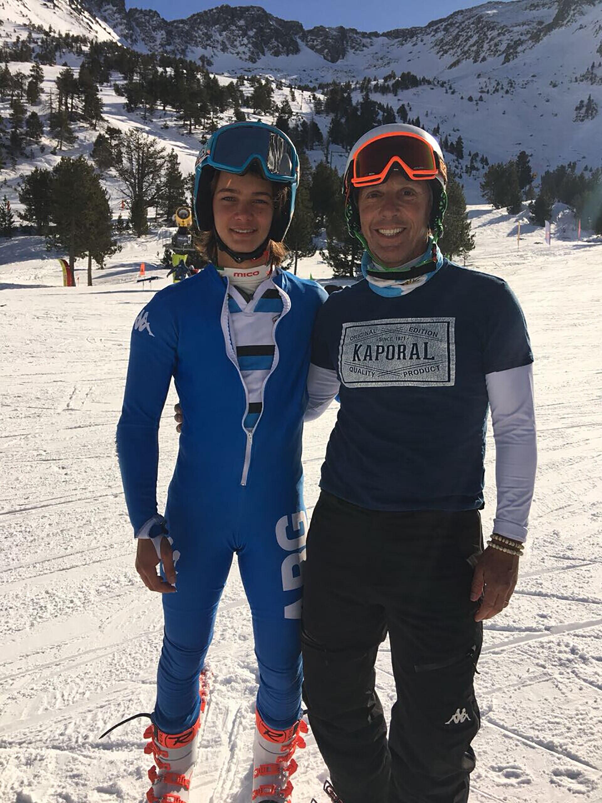 Tiziano junto a su padre, Alejandro Gravier. El gran campeón de Borrufa sigue los pasos de su hermano Balthazar, hoy en el equipo Nacional, que a lo largo de sus 4 años y en estas categorías cosechó 8 medallas