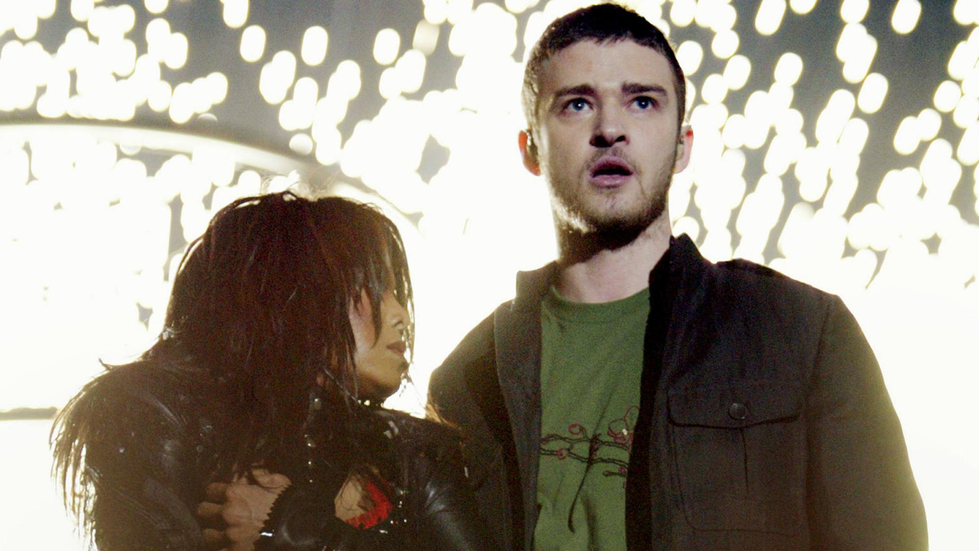 Justin Timberlake y Janet Jackson durante el espectáculo de medio tiempo en el Super Bowl.