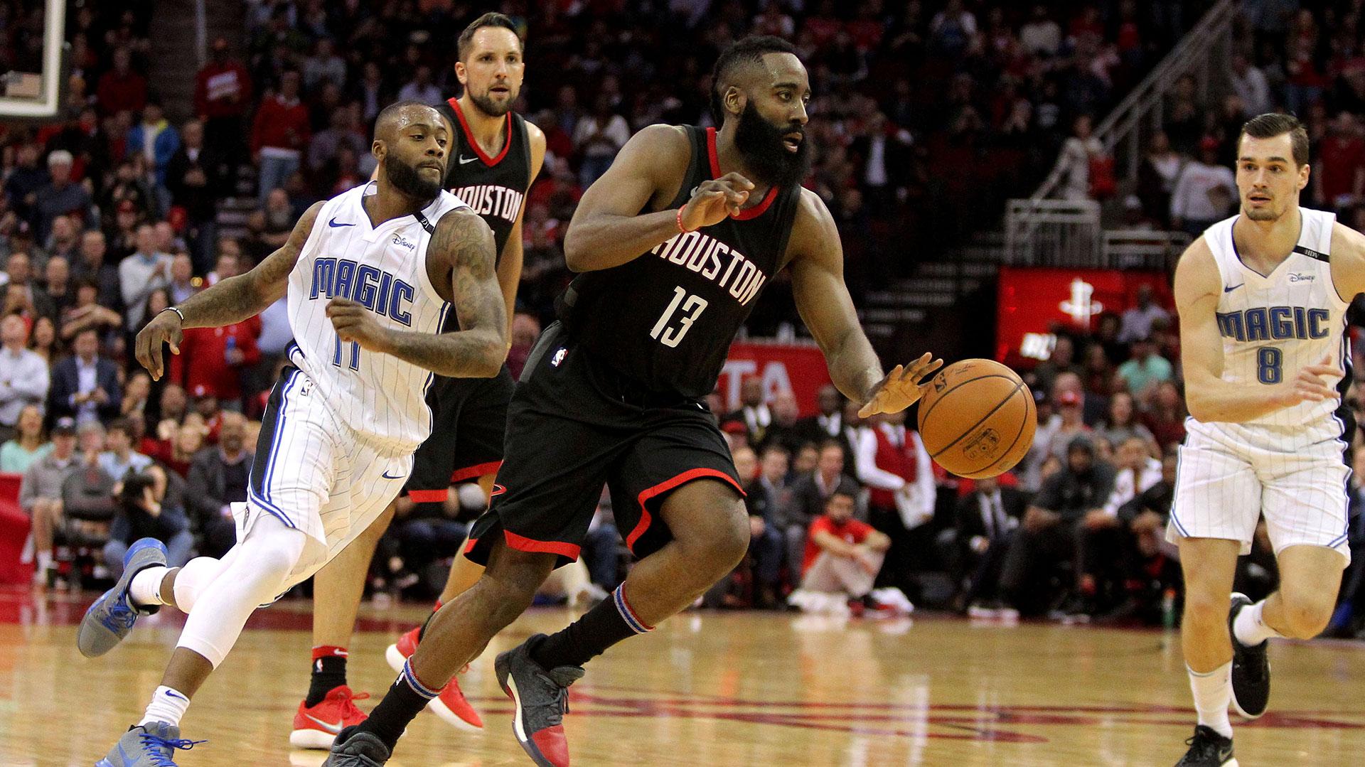 James Harden se lució en el triunfo de los Rockets sobre Orlando Magic (Reuters)