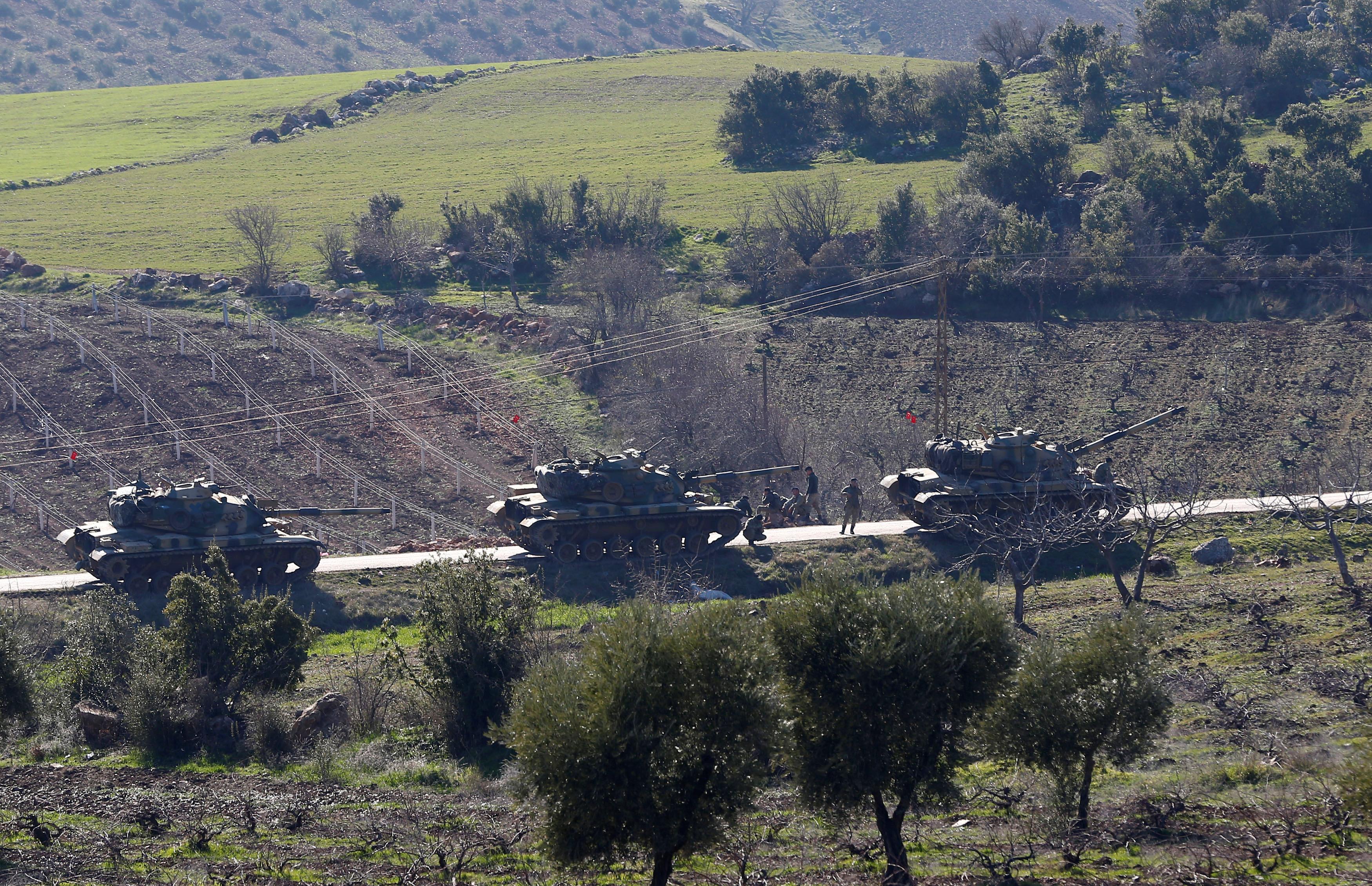 Una columna turca cerca del pueblo fronterizo de Kilis (Reuters)