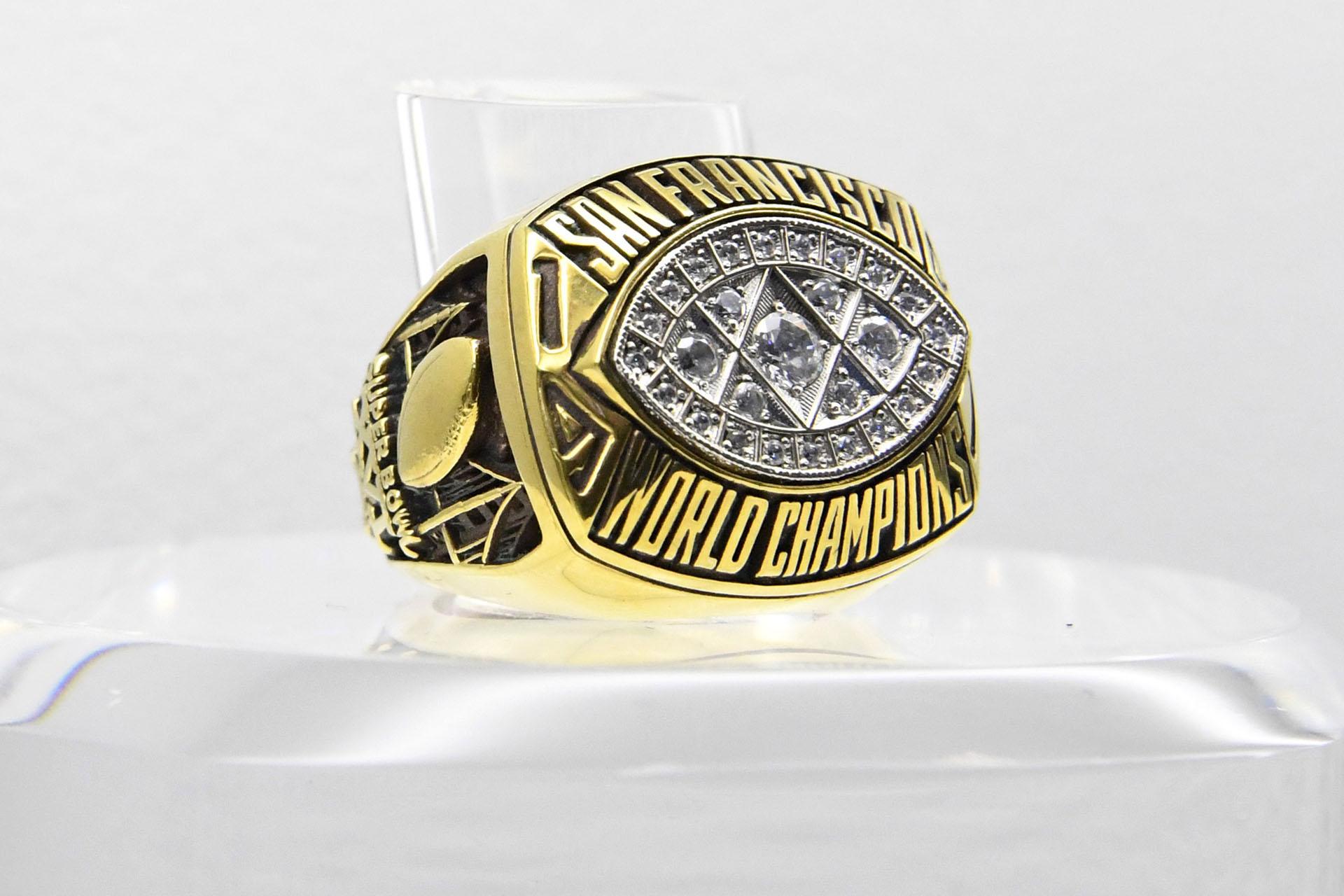 Los San Francisco 49ers superaron 26-21 a losCincinnati Bengals en elSilverdome de Pontiac, Michigan en 1982 y se consagraron en el Super Bowl XV