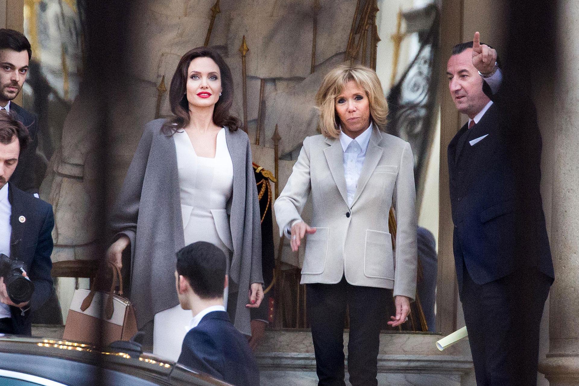 A los 64 años, la mujer del presidente Emmanuel Macron deslumbra con su estilo y glamour