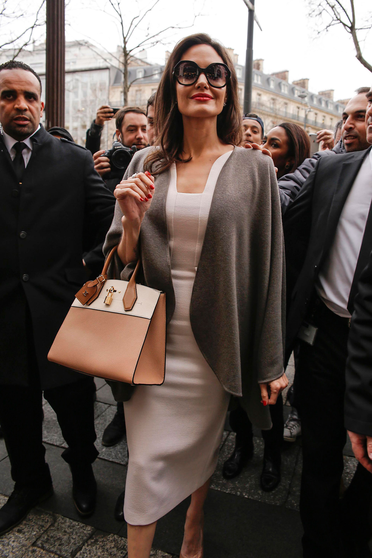 El detalle de la cartera de Louis Vuitton
