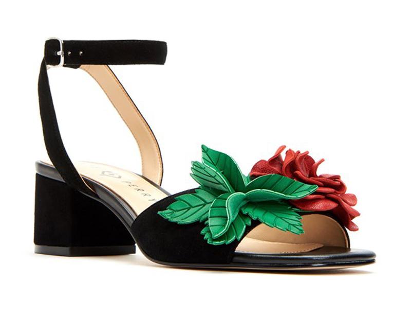 13b6341d6 La extravagante y colorida colección de zapatos de Katy Perry ...