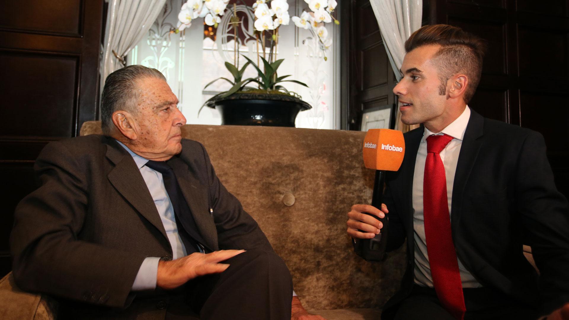 Eduardo Eurnekian con Nicolás Villar periodista de Infobae en EEUU.