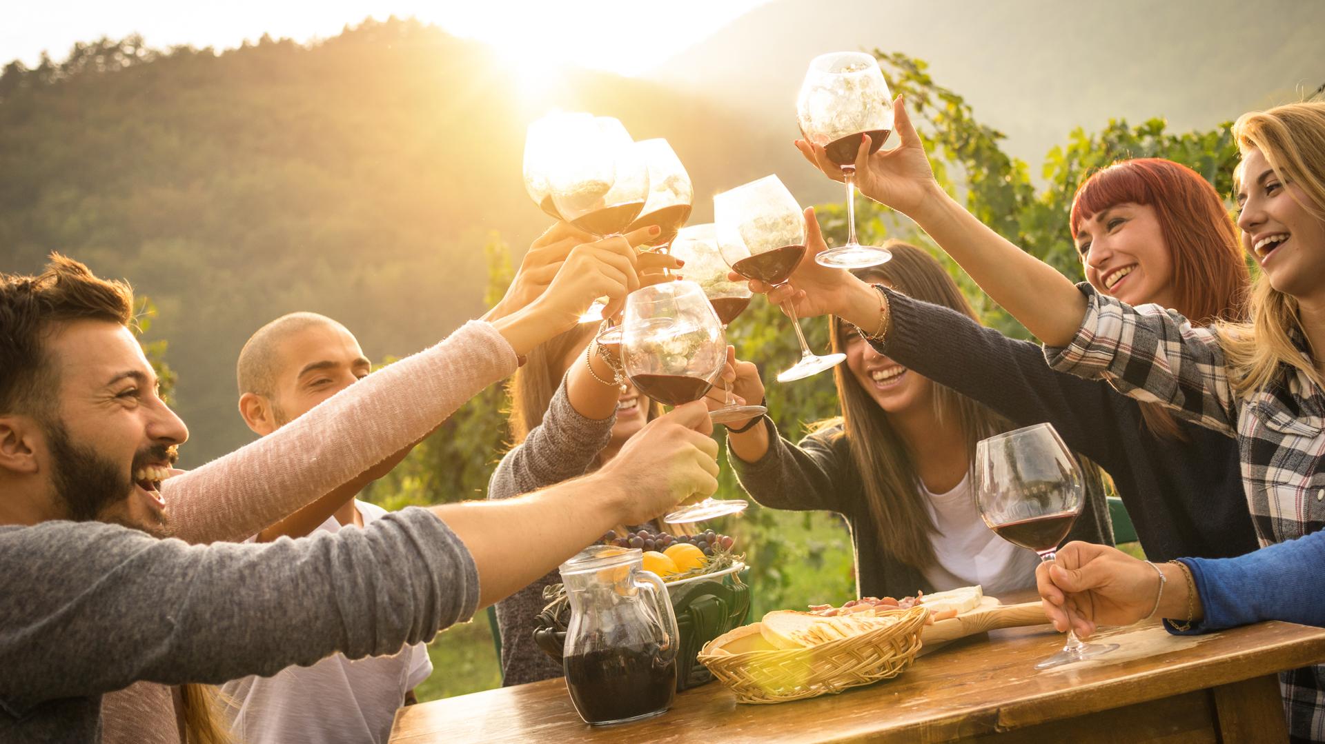 Lograr describir al vino sin caer en los clichés es parte de la cuestión (Getty)