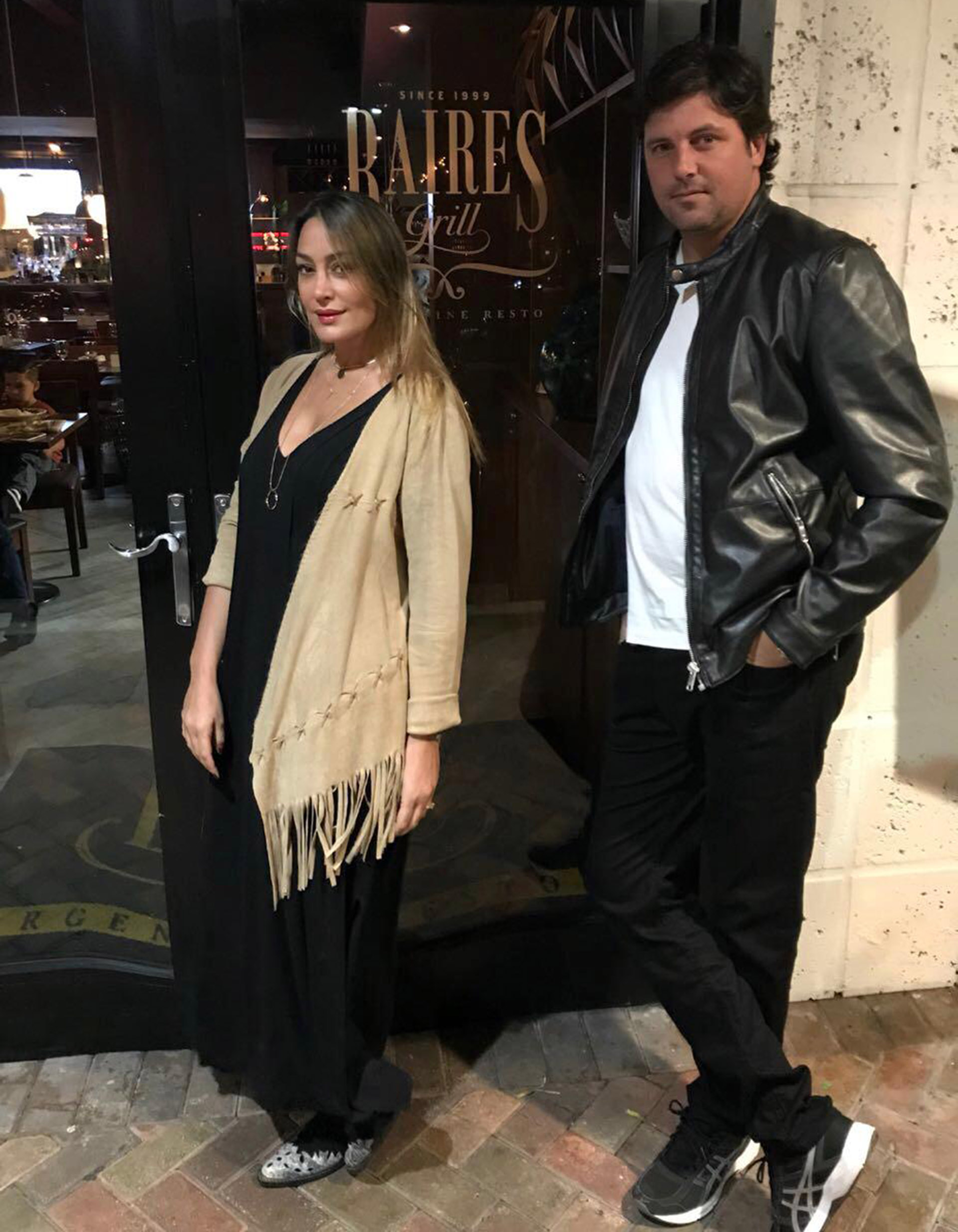 """Sol Estevanez y su marido, Mariano """"Nito"""" Uranga"""", cenaron en Baires Grill Sunny Isles, en Miami"""