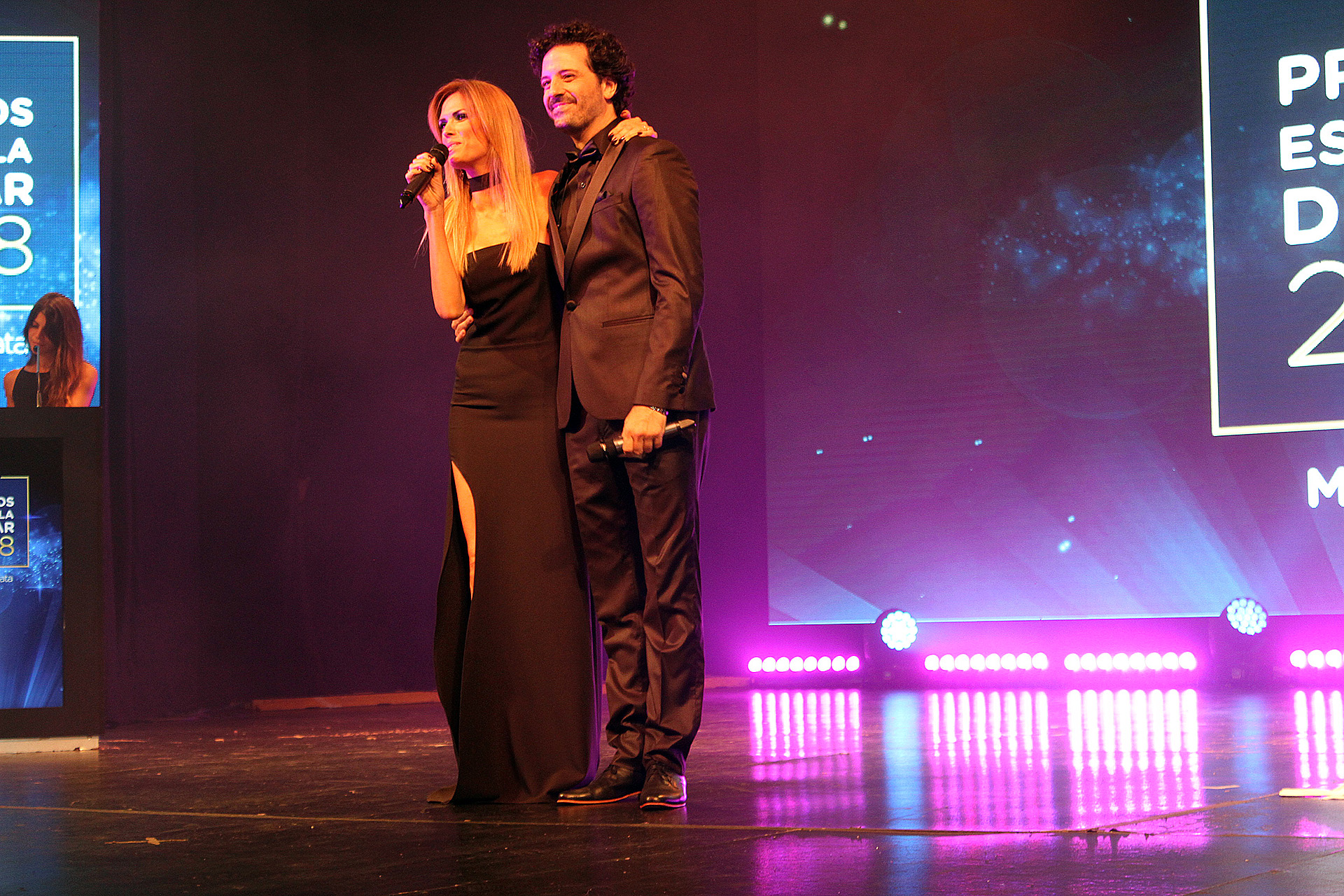 Viviana Canosa y Julián Labruna, conductores de la ceremonia