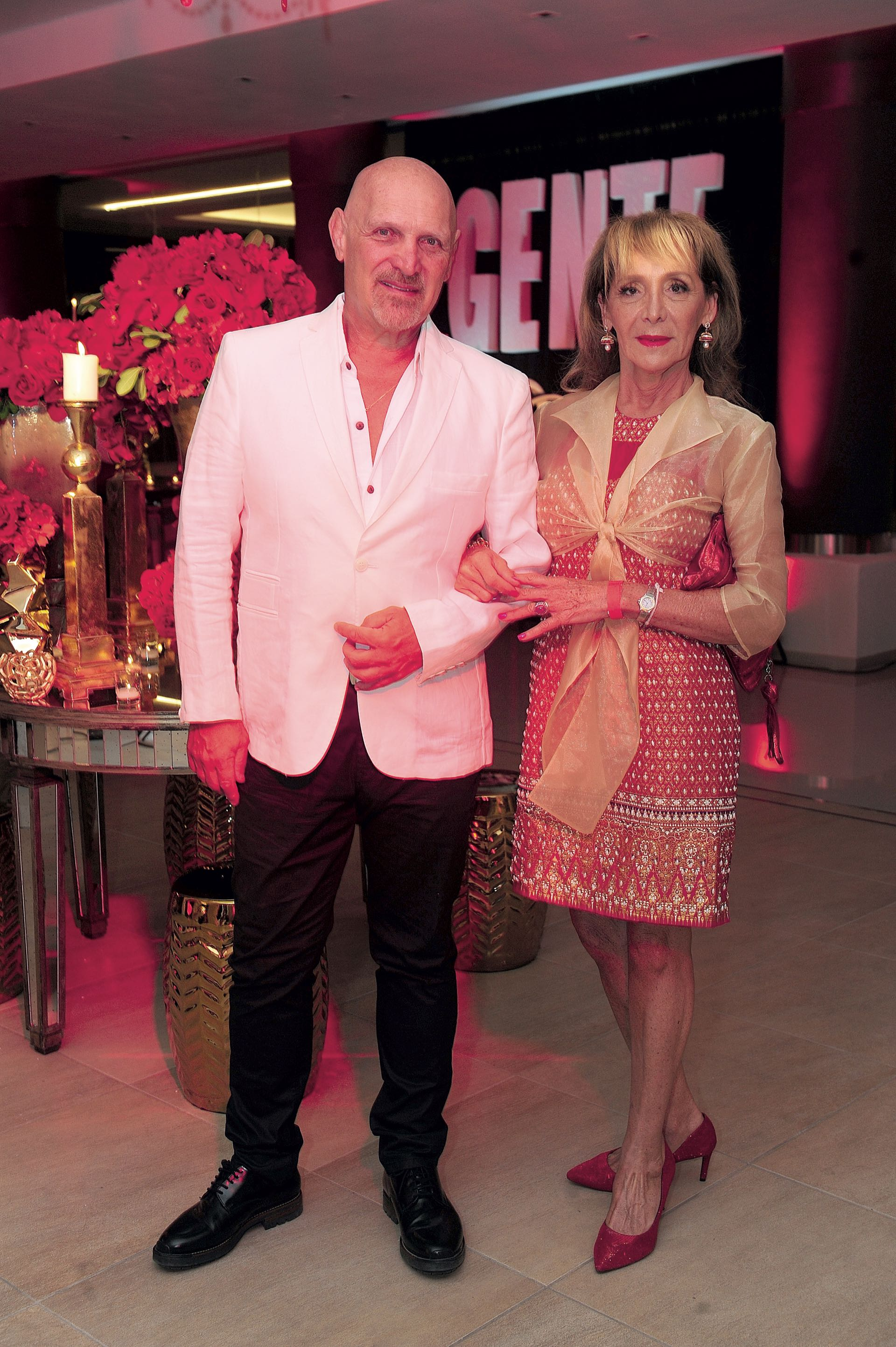 Jorge Lawson, director del Banco de la Nación Argentina, y su esposa. (Foto GENTE)