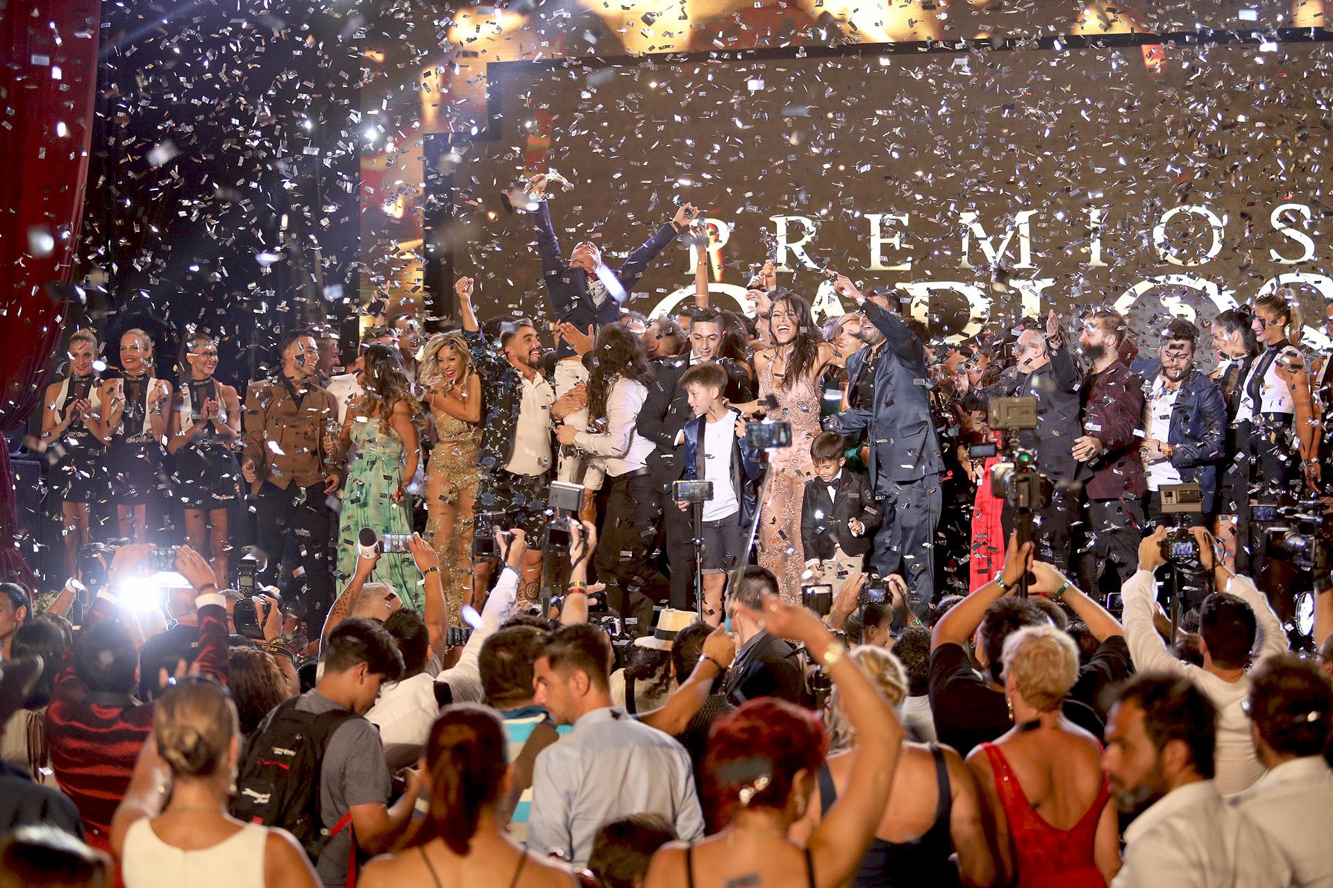 El final de la ceremonia, con Bien Argentino como la gran ganadora de la noche