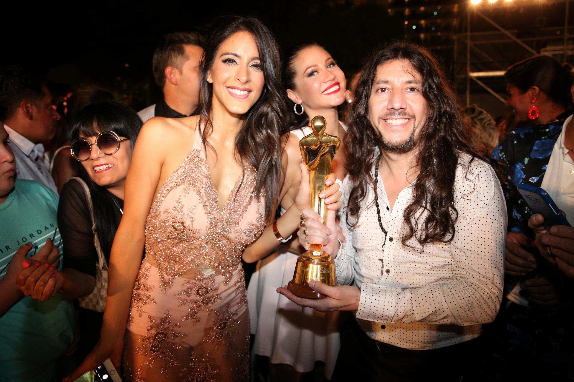 El elenco de Bien Argentino, ganadores del Oro