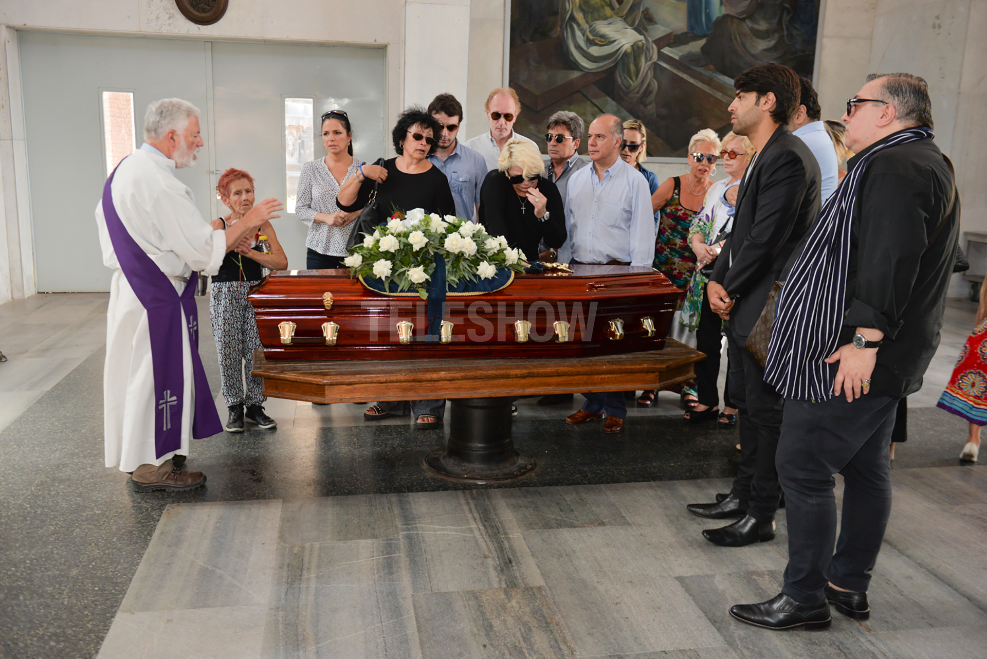 Los restos de Ana, quien tenía 90 años, fueron trasladados desde una cochería porteña que no ofreció velatorio
