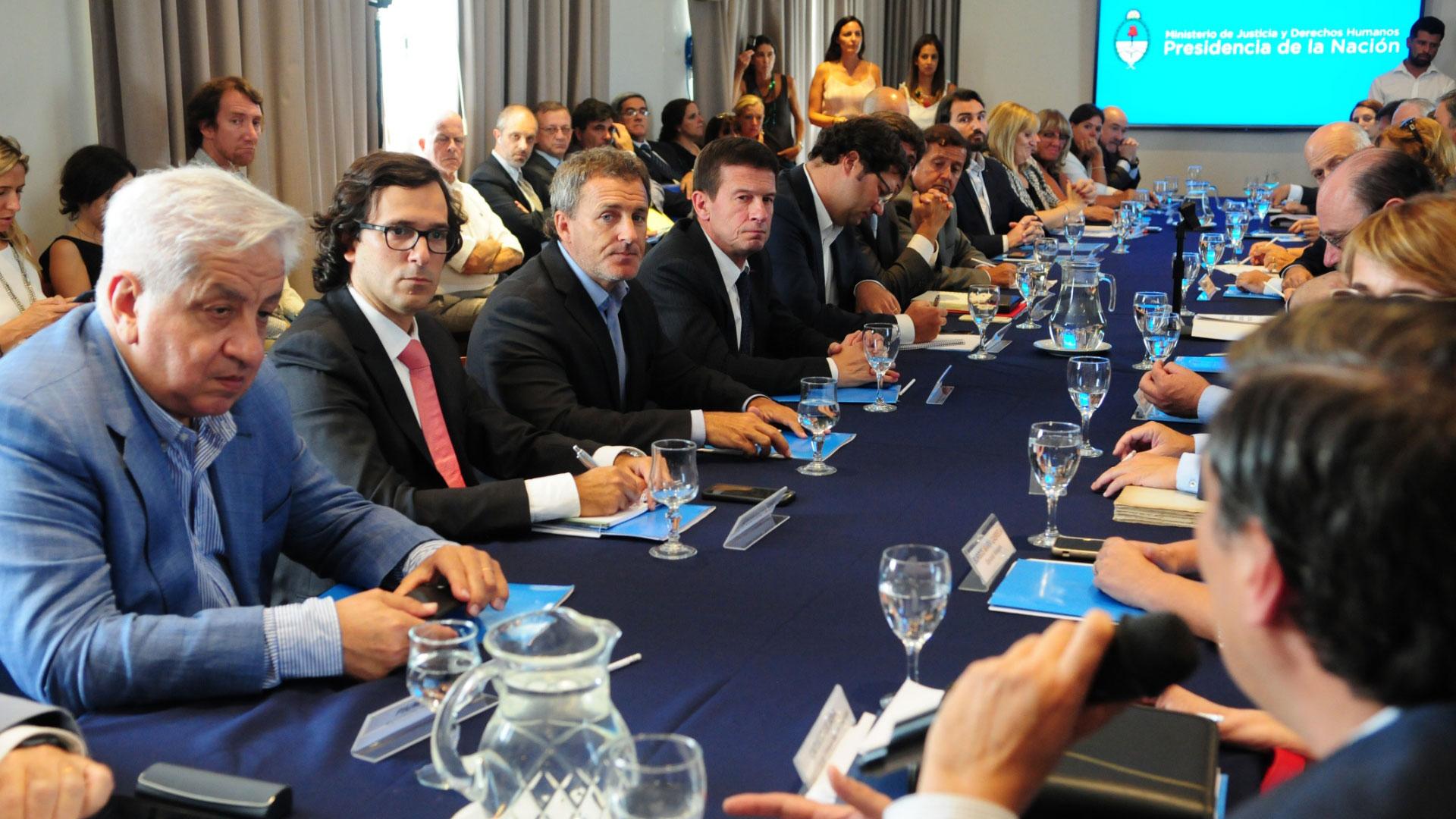 Algunos de los integrantes de la mesa de reforma del Código Penal (Maximiliano Luna)