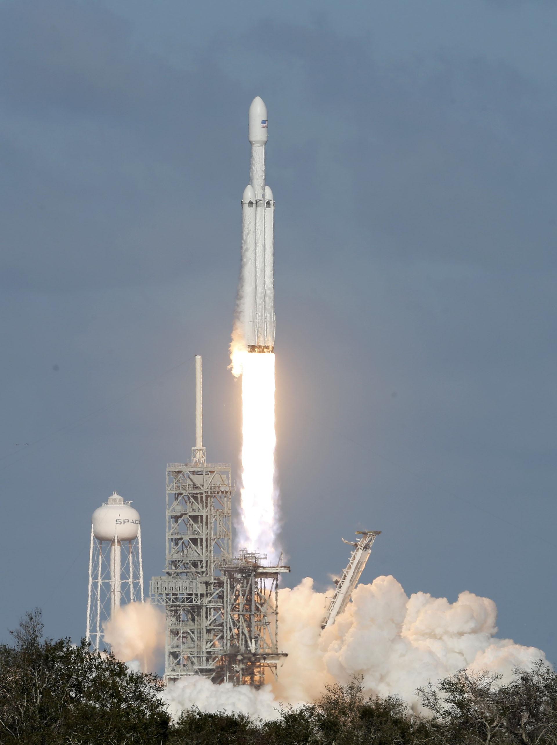 Elon Musk, fundador de Tesla y Space X, comenzó a planear este momento en 2013