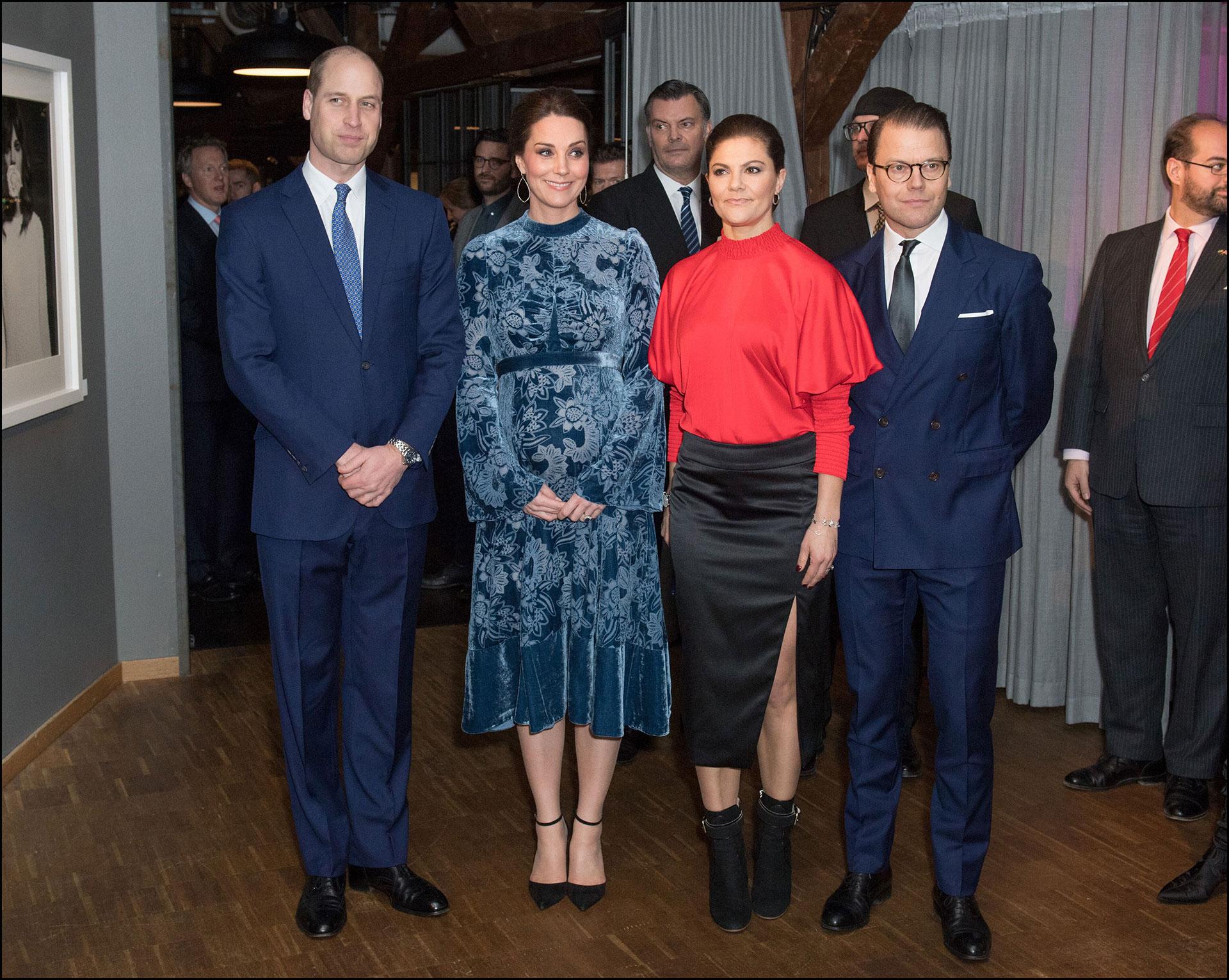 Kate Middleton con su tonalidad fetiche, el azul