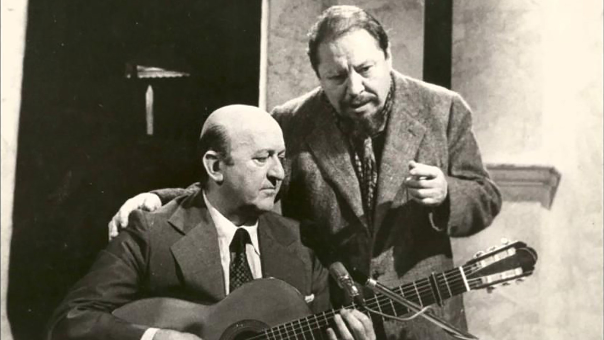 Eduardo Falú (guitarrista) y Jaime Dávalos (recitador y cantor).