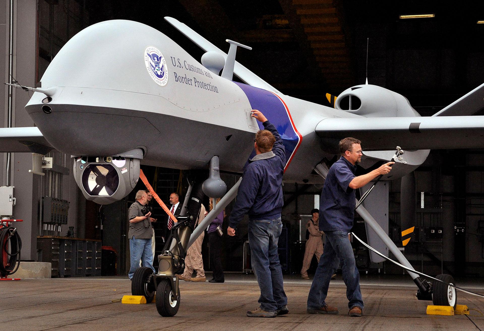 Un drone de inteligencia y ataque de última generación MQ-9 Reaper, desarrollado por General Atomics, una de las empresas atacadas (AP)