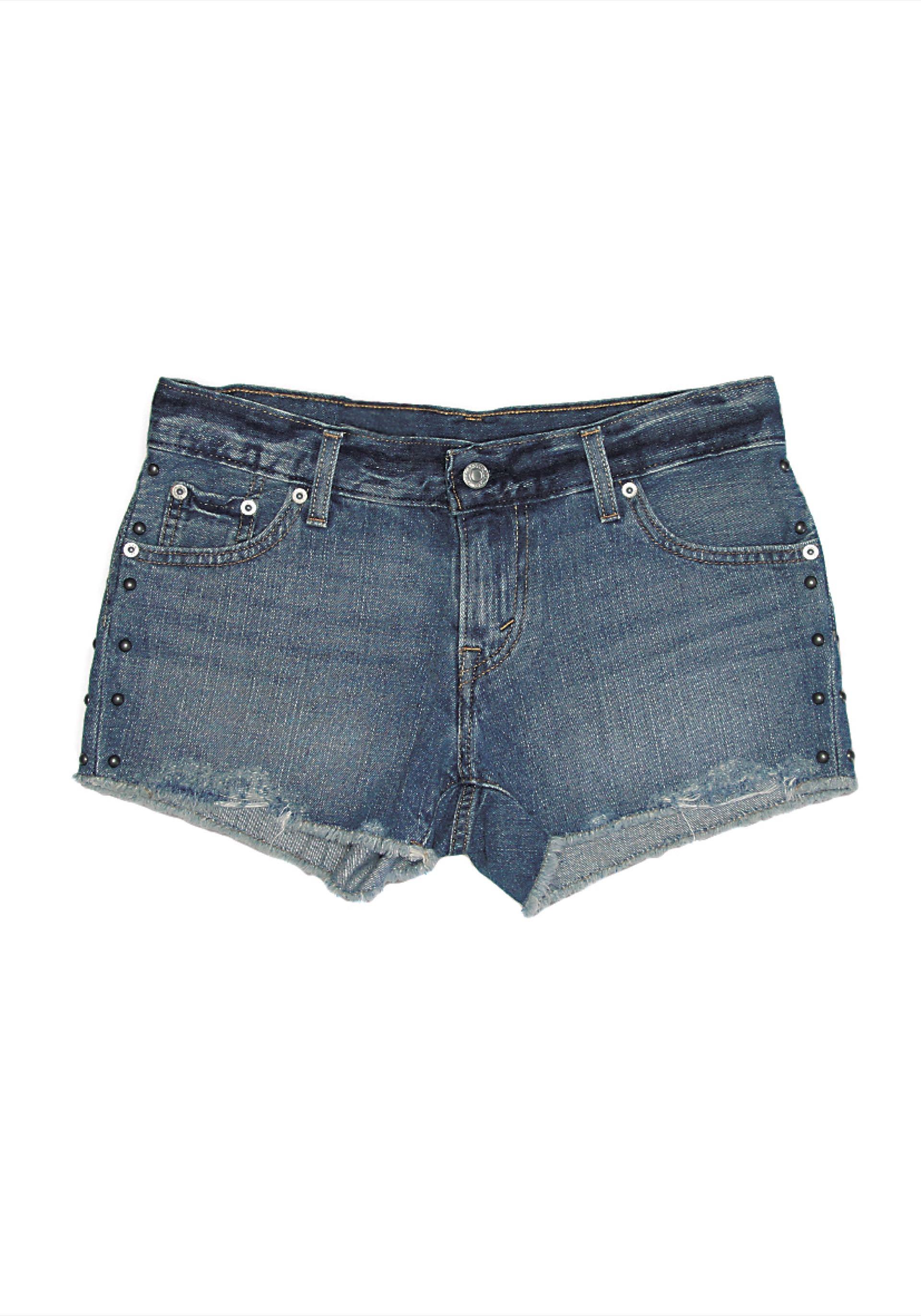 Short de jean con tachas($ 1.490, Levi's).