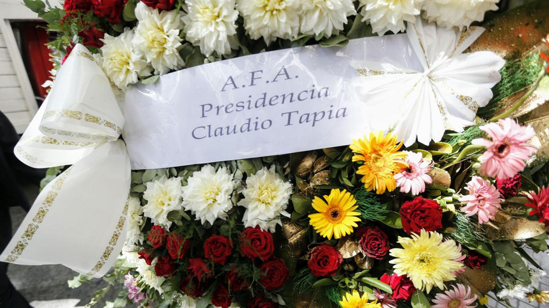El Presidente de la AFA también envió flores
