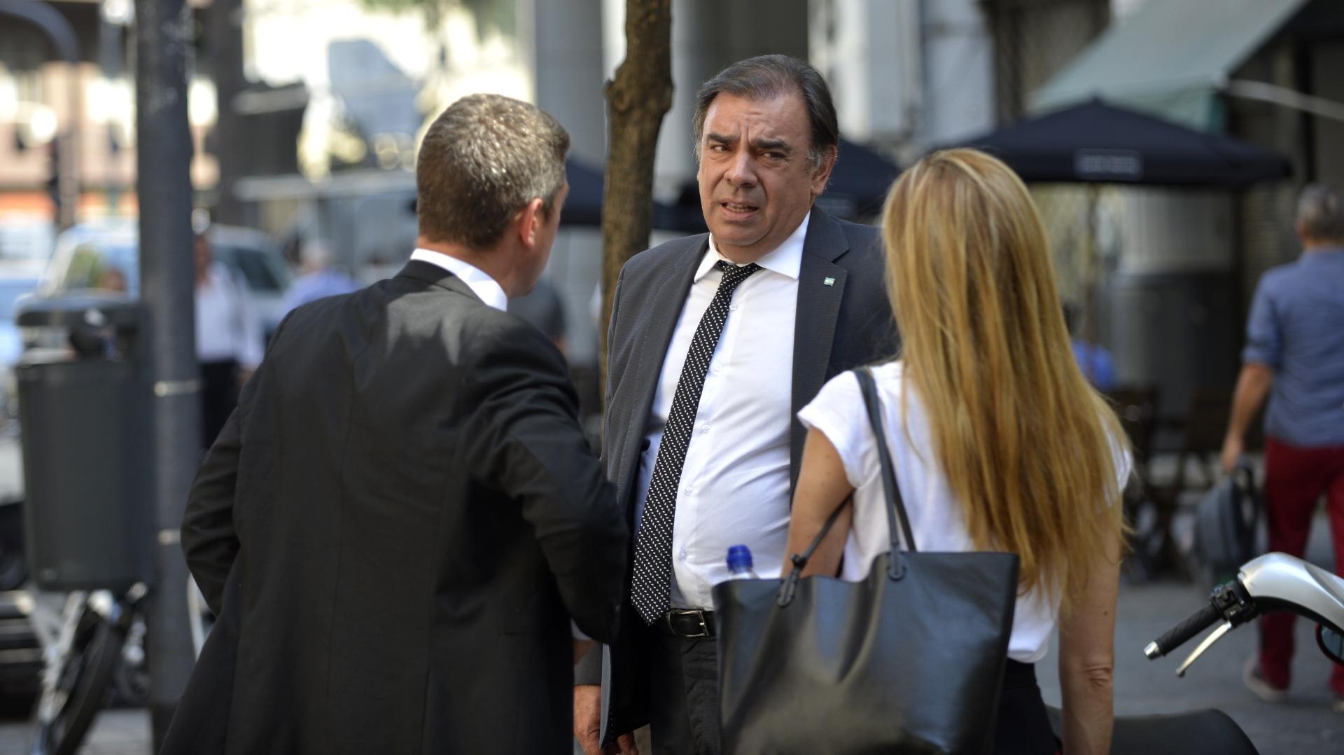 Luis Otero, conductor del noticiero de Canal 13