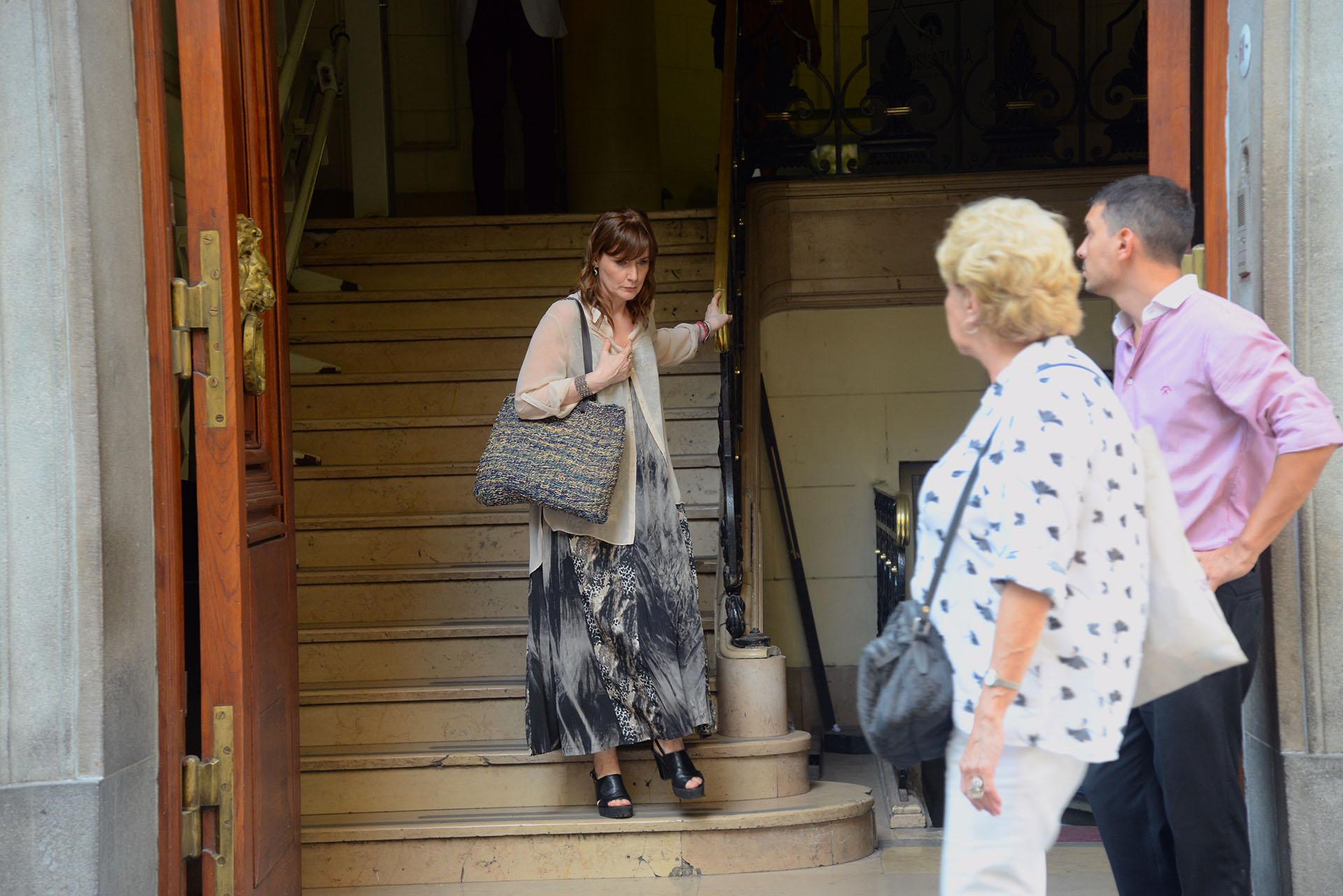 Silvia Martínez Cassina, quien conduce junto a Luis Otero el noticiero de Canal 13