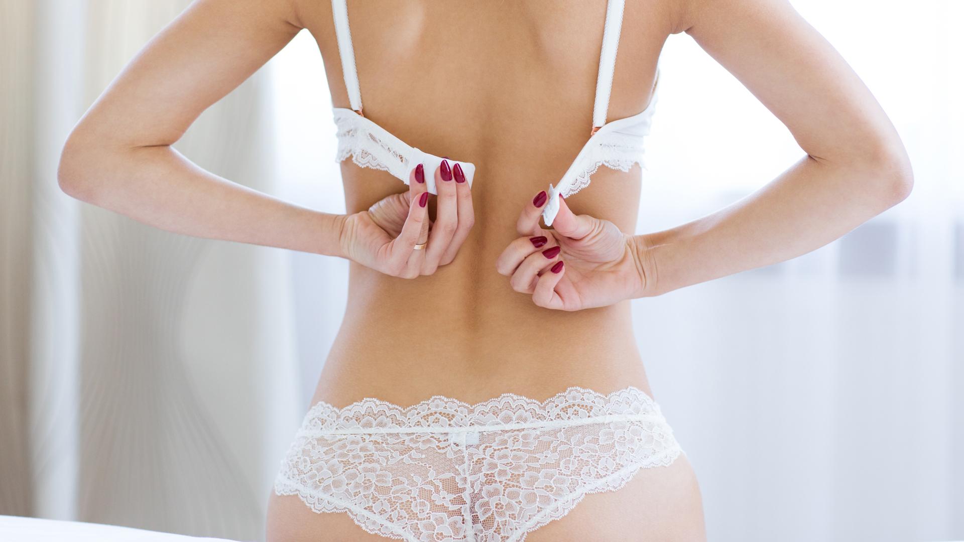 El encaje y las transparencias son los géneros que predominan en los conjuntos de ropa interior para el Día de los Enamorados (Getty Images)