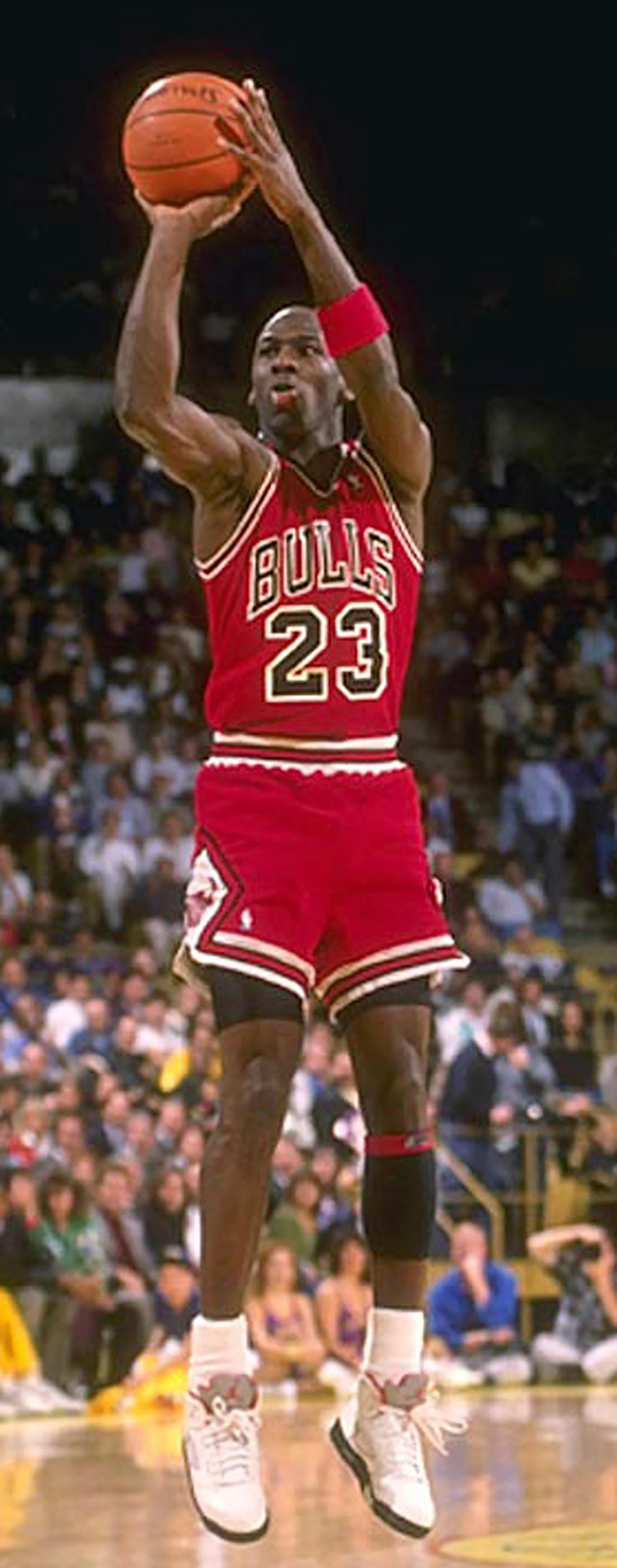 El lanzamiento de triples, un talón de Aquiles en la carrera de Michael Jordan