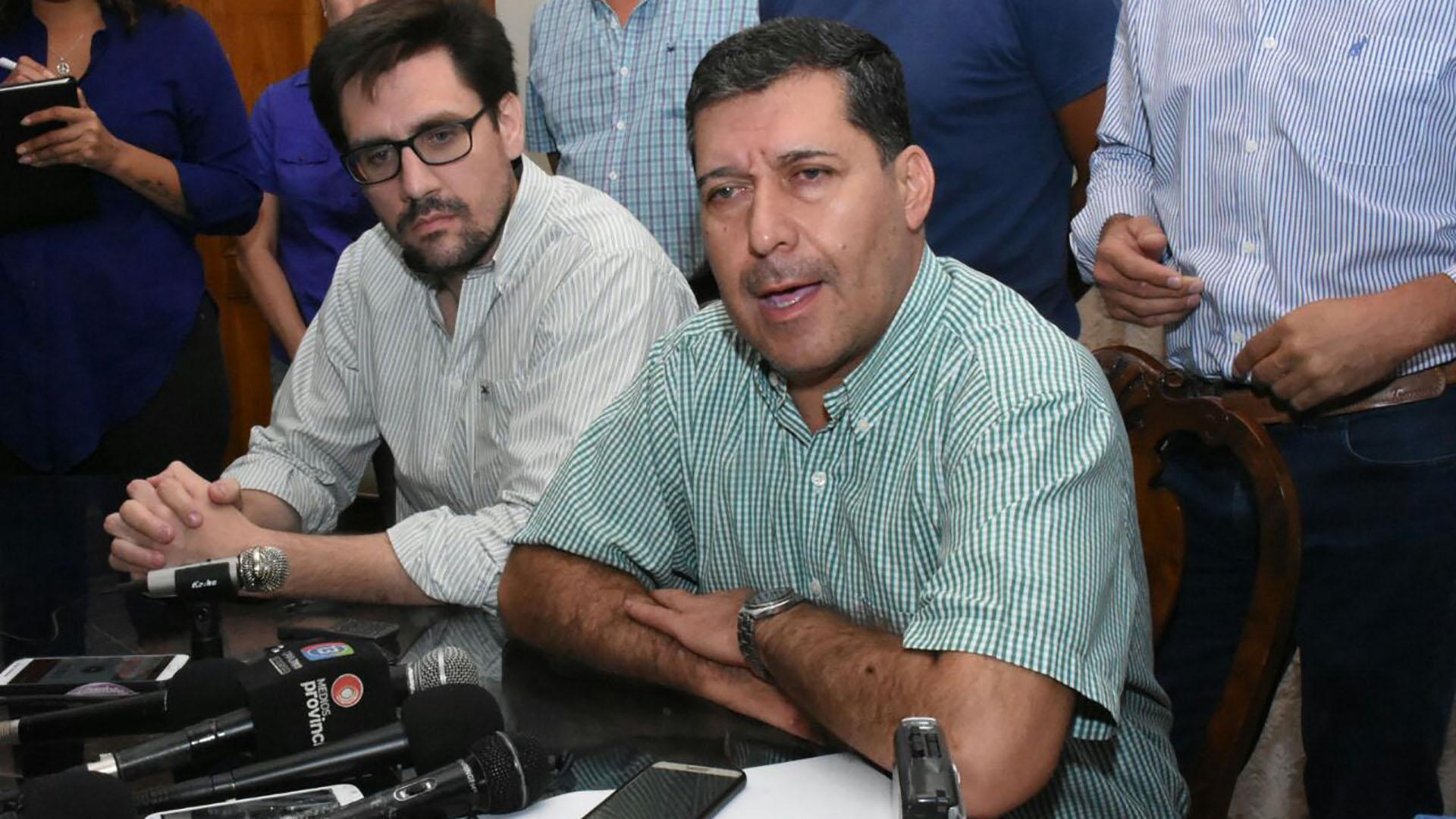 Sergio Casas, el gobernador de La Rioja, durante la conferencia de prensa