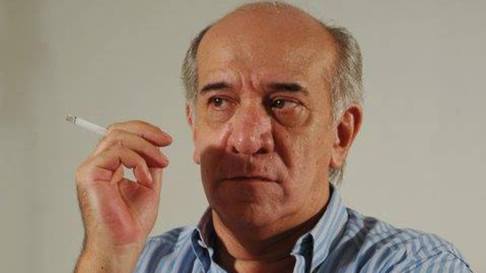 Víctor Maytland es director de cine porno y tiene 71 años