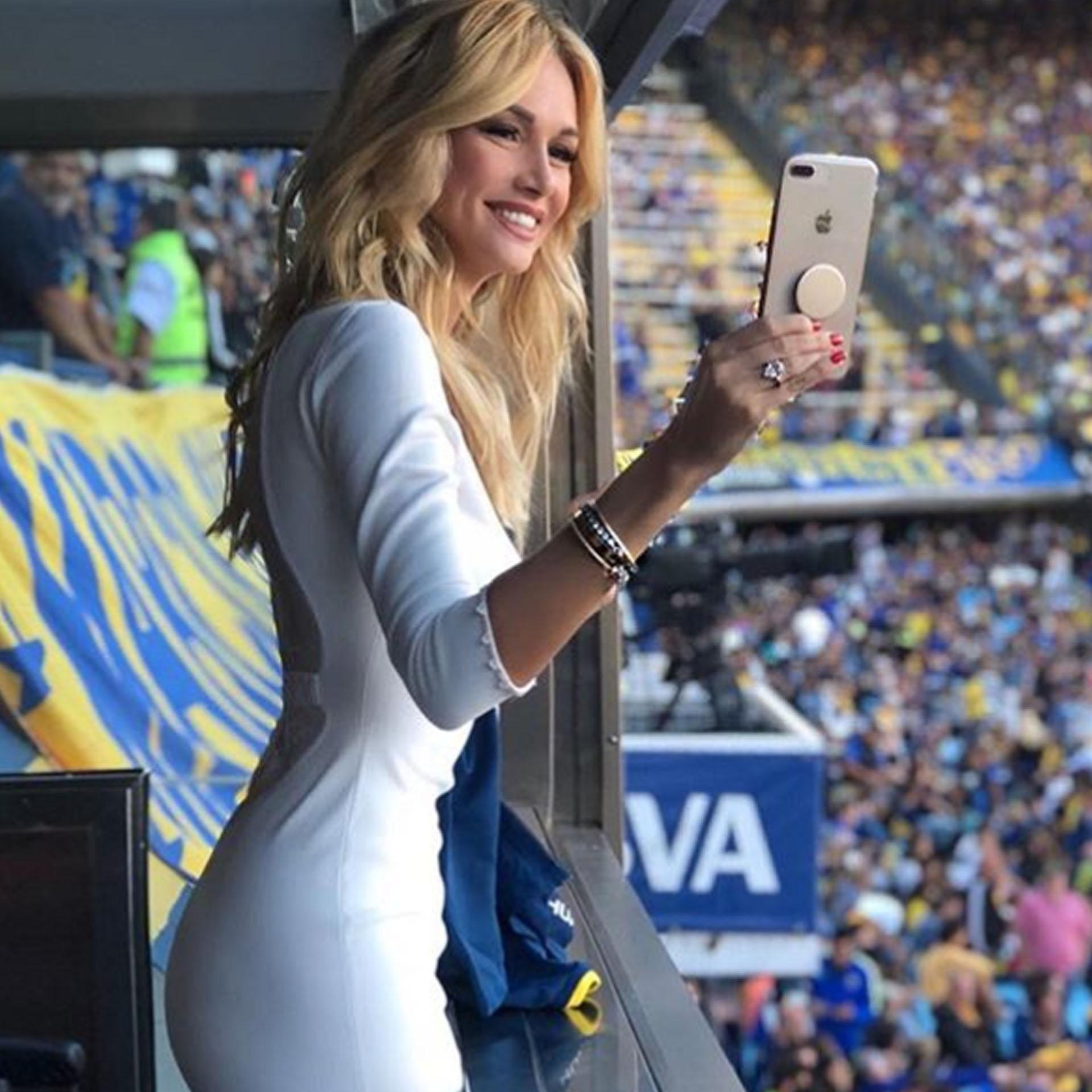 Victoria Lopyreva estuvo presente en el partido entre Boca y Temperley en la Bombonera.