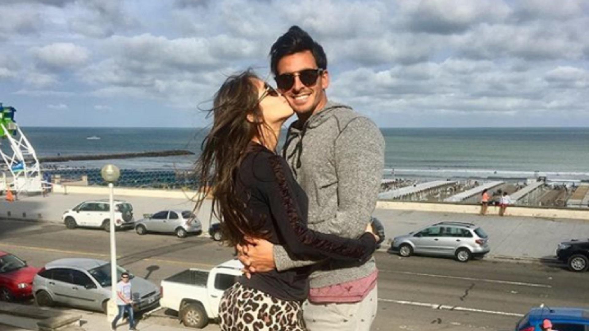 Él tiene 34 años y ella, 18