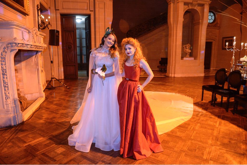 Verónica de la Canal junto a Gadano. Como modelo, desfirló varias vecesluciendo modelos de esa diseñadora