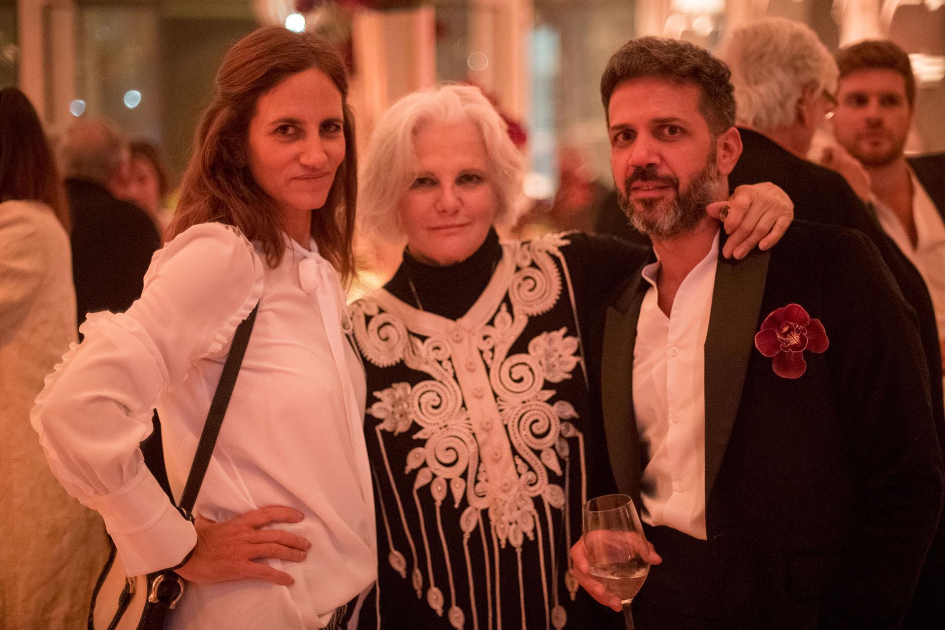 Cecilia Sartorius, Gloria Cesar y Sebastian Sabas