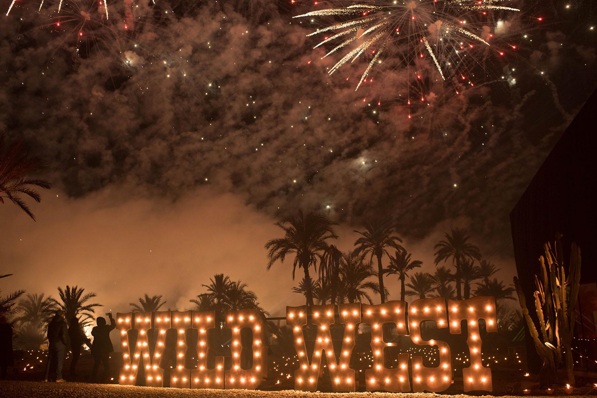 Un espectacular show de fuegos artificiales iluminó la noche soñada de Alejandro Roemmers