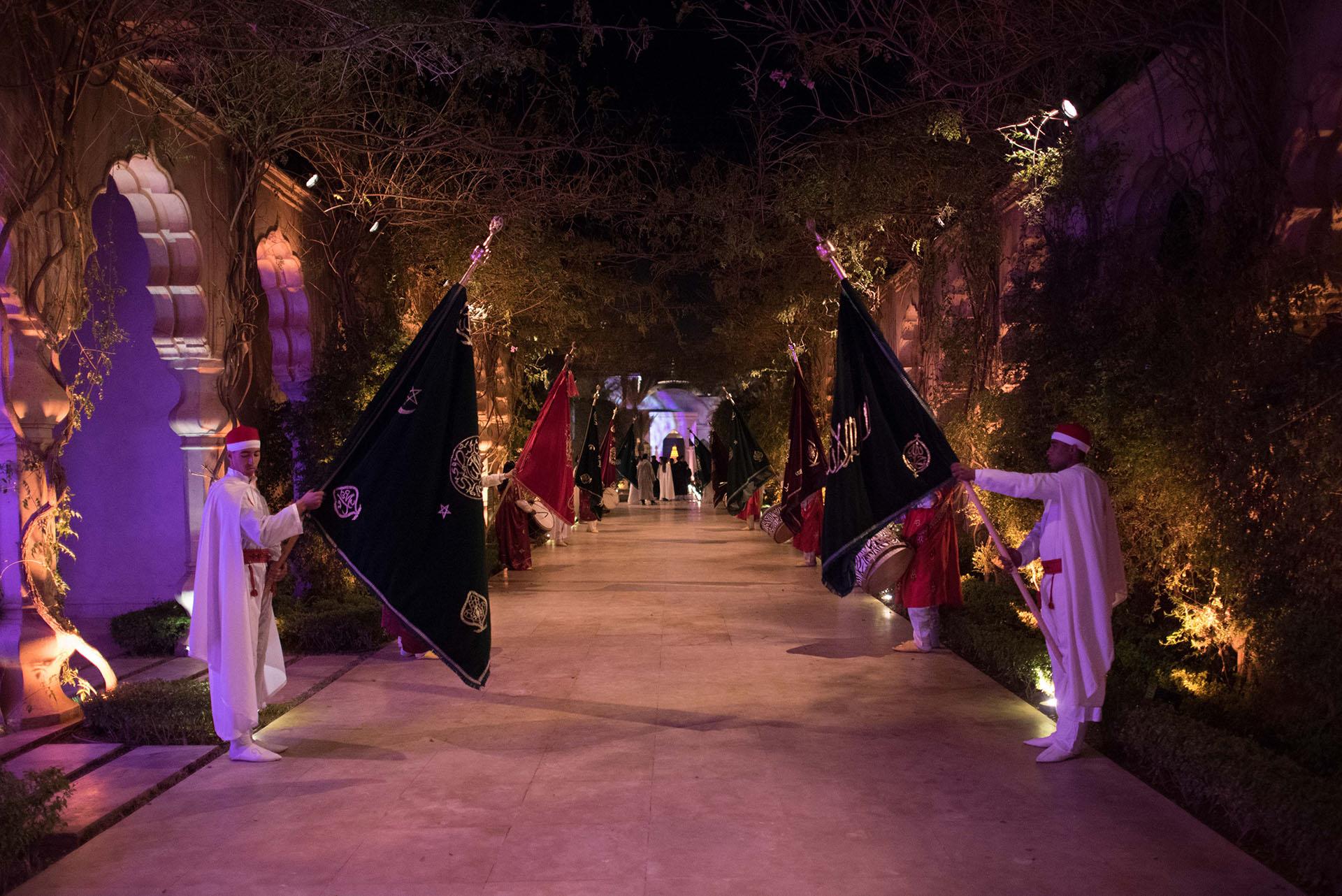 Túnicas exóticas, decoración alsuiva y shows con música coronaron la fiesta oriental